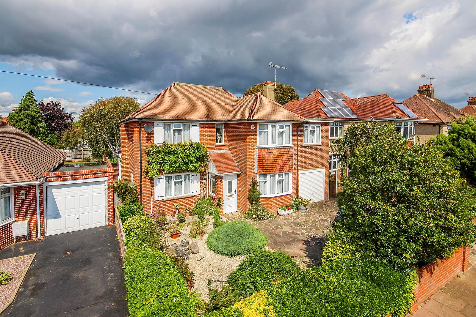 4 bed house for sale in Lavington Road - Property Image 1