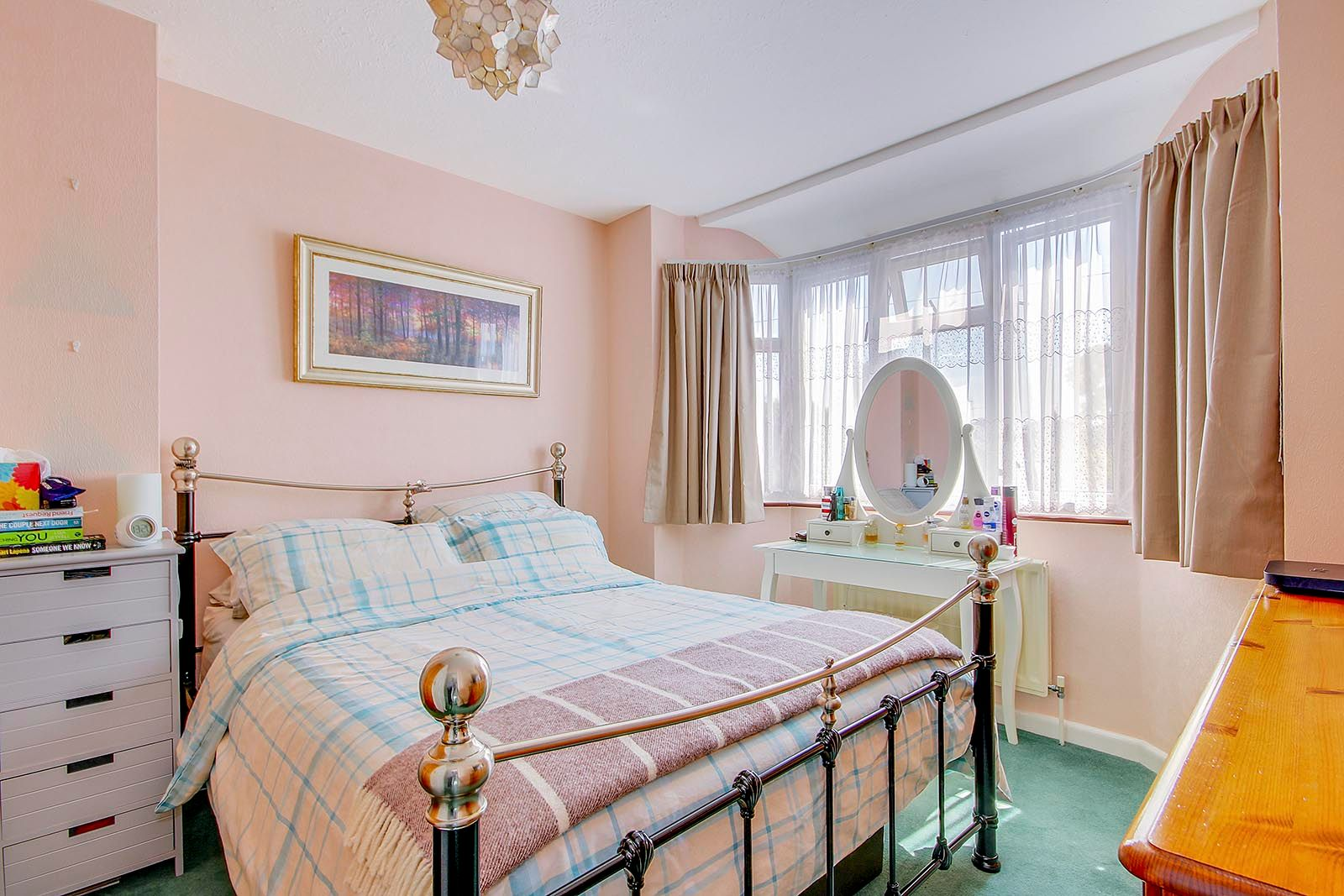 4 bed house for sale in Lavington Road 12