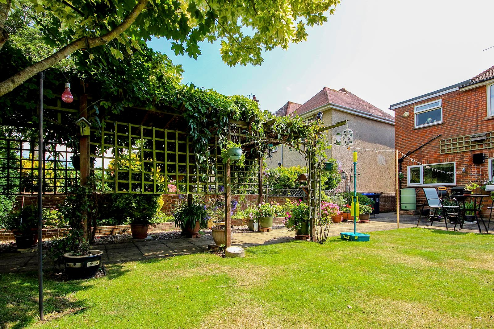 4 bed house for sale in Lavington Road  - Property Image 15