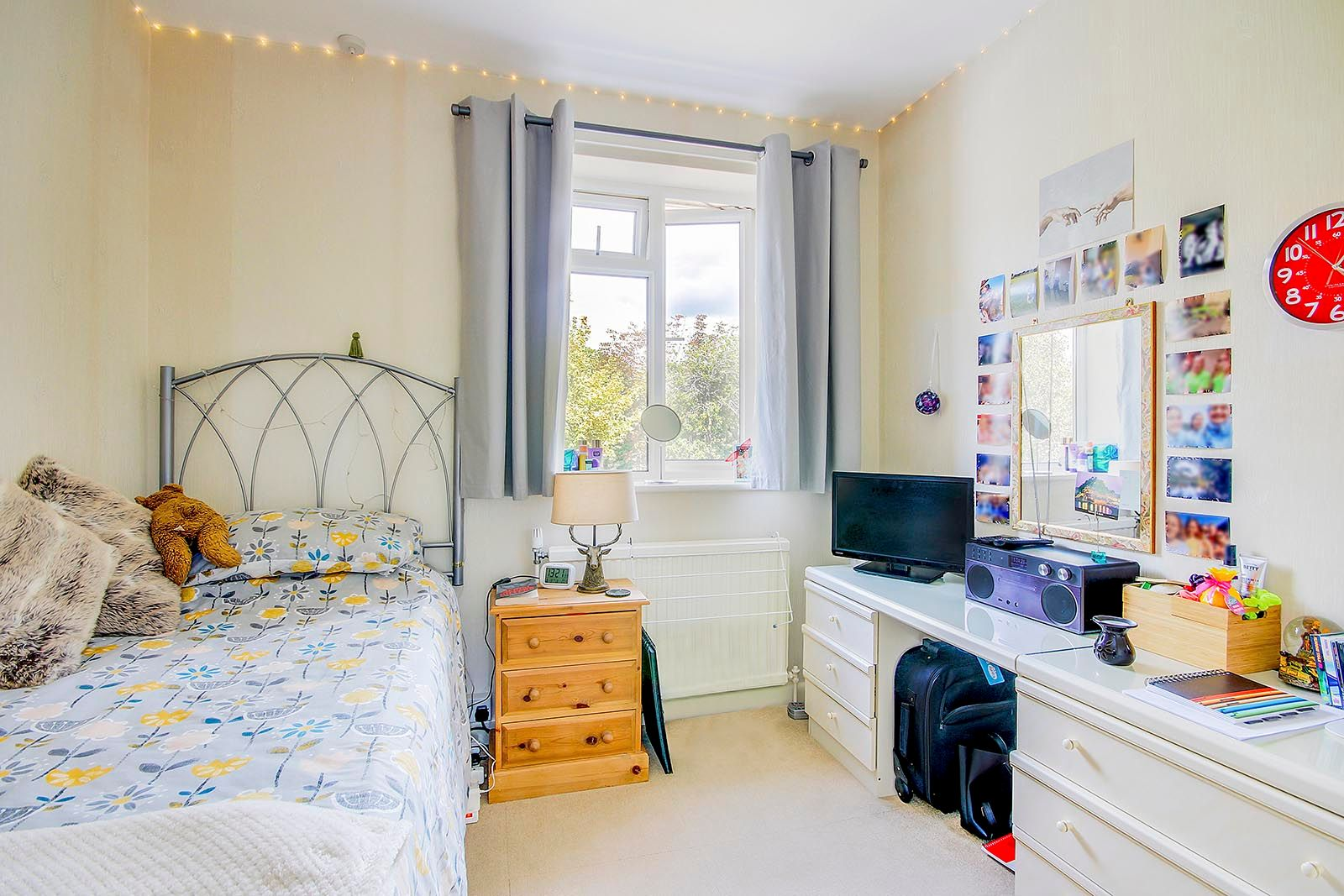 4 bed house for sale in Lavington Road  - Property Image 18