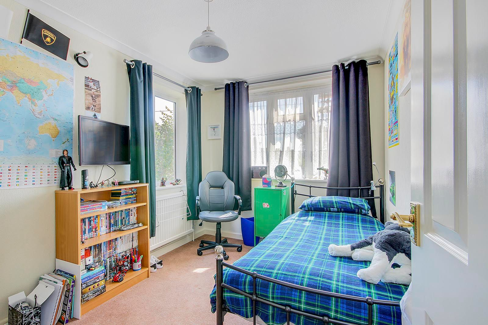 4 bed house for sale in Lavington Road  - Property Image 19