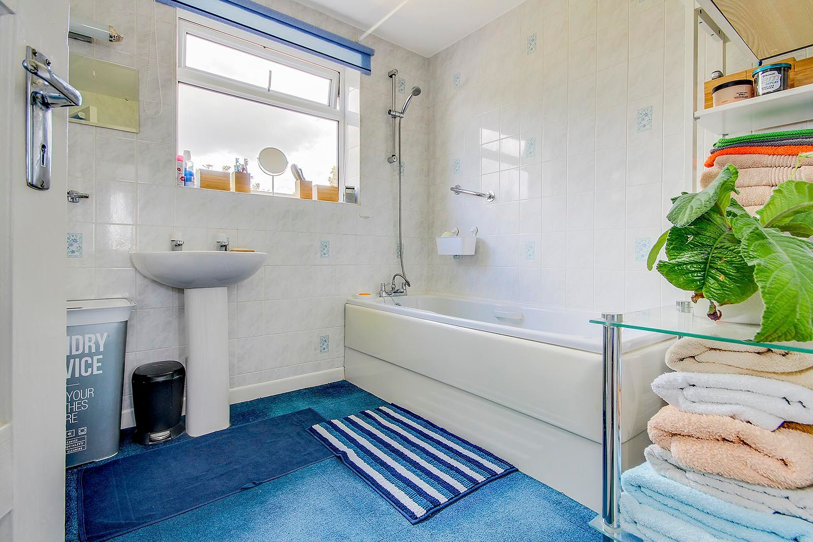 4 bed house for sale in Lavington Road  - Property Image 20