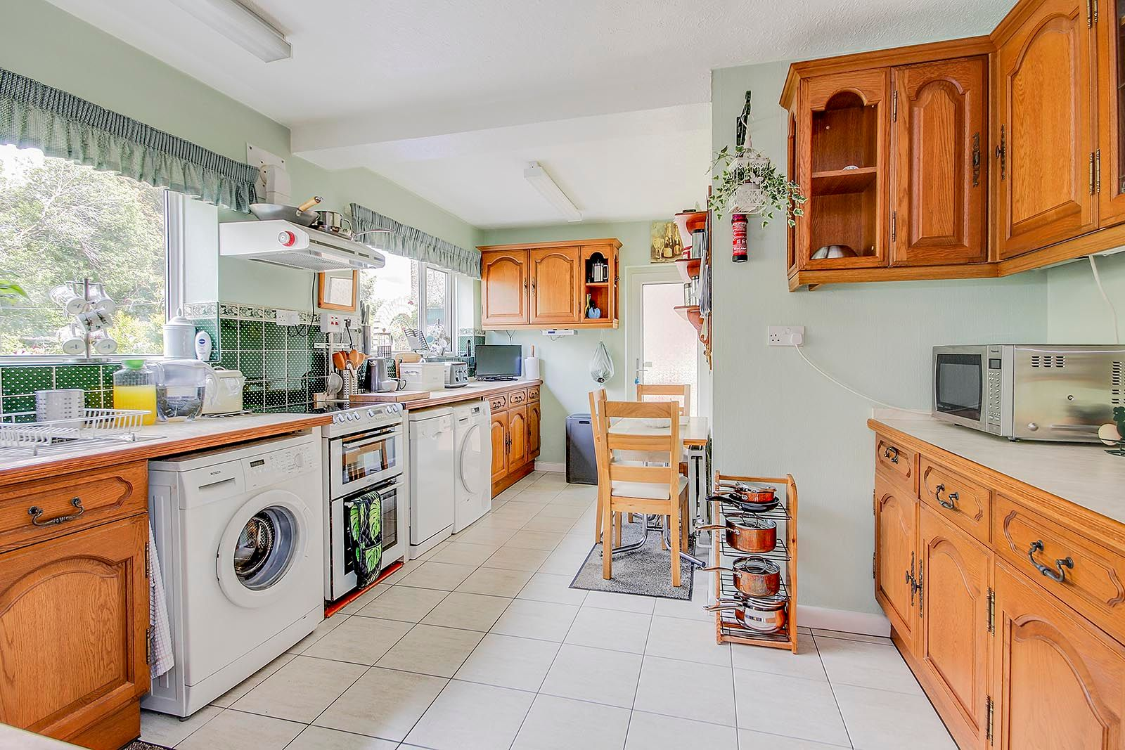 4 bed house for sale in Lavington Road  - Property Image 5