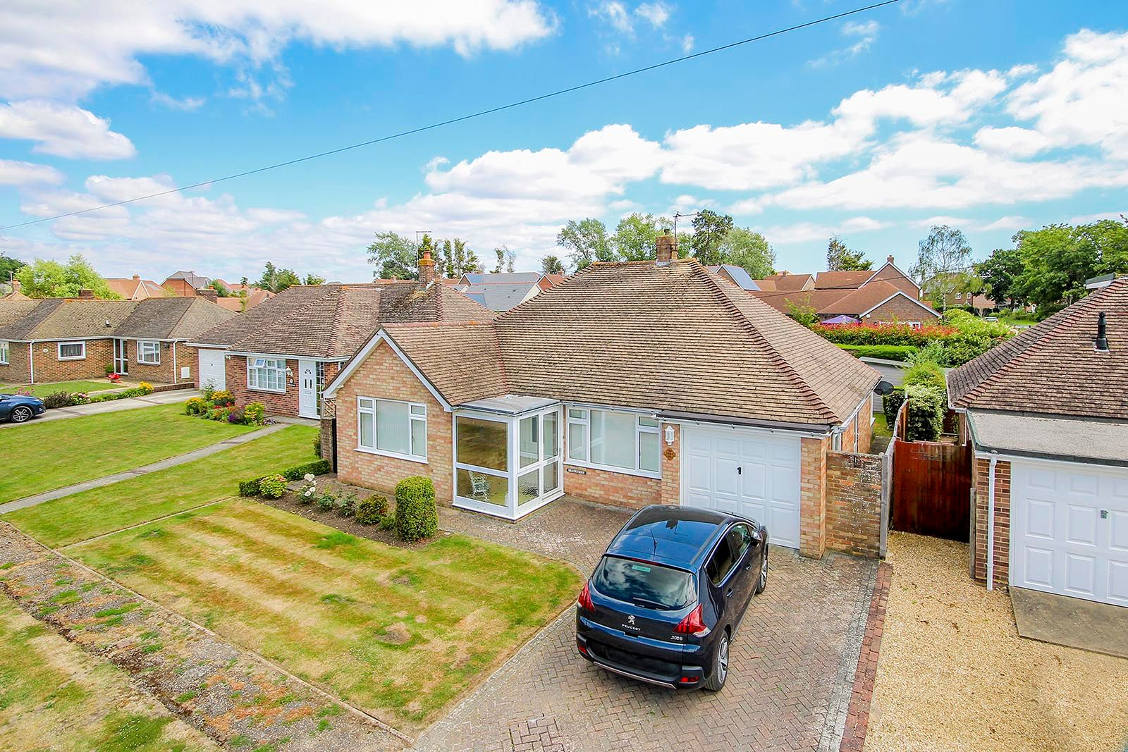 2 bed bungalow for sale in Halliford Drive