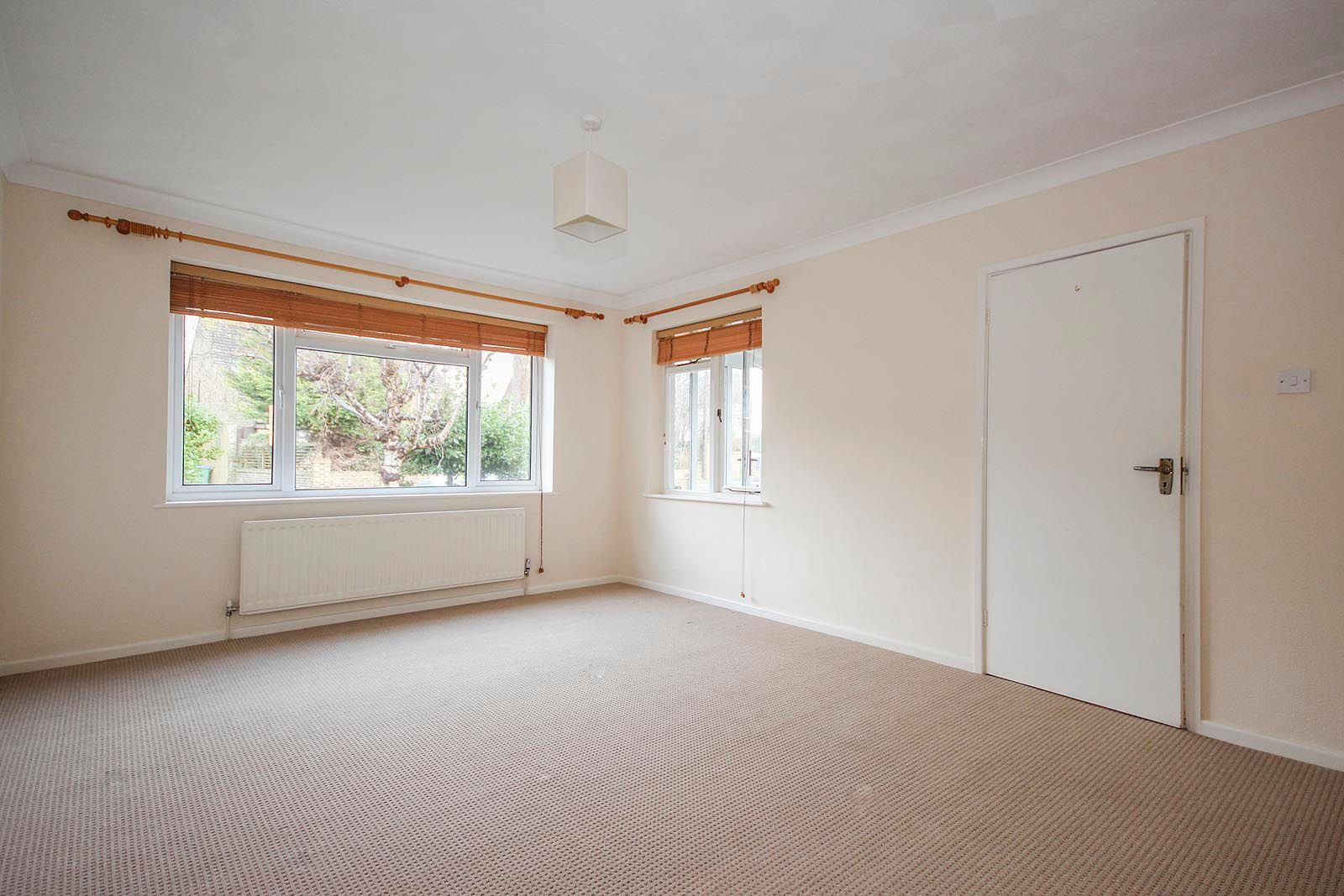 2 bed bungalow to rent in Vermont Drive 6