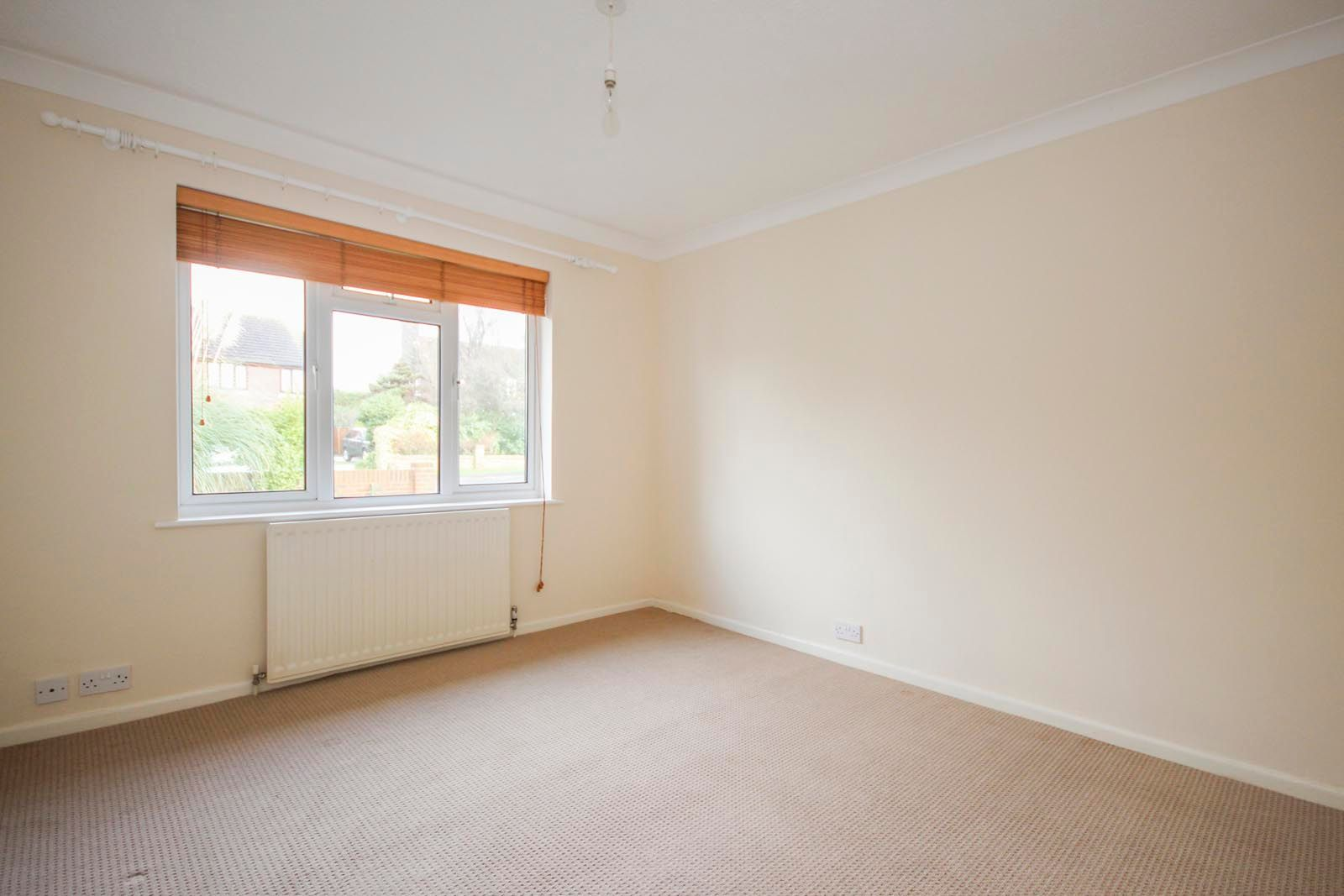 2 bed bungalow to rent in Vermont Drive 7