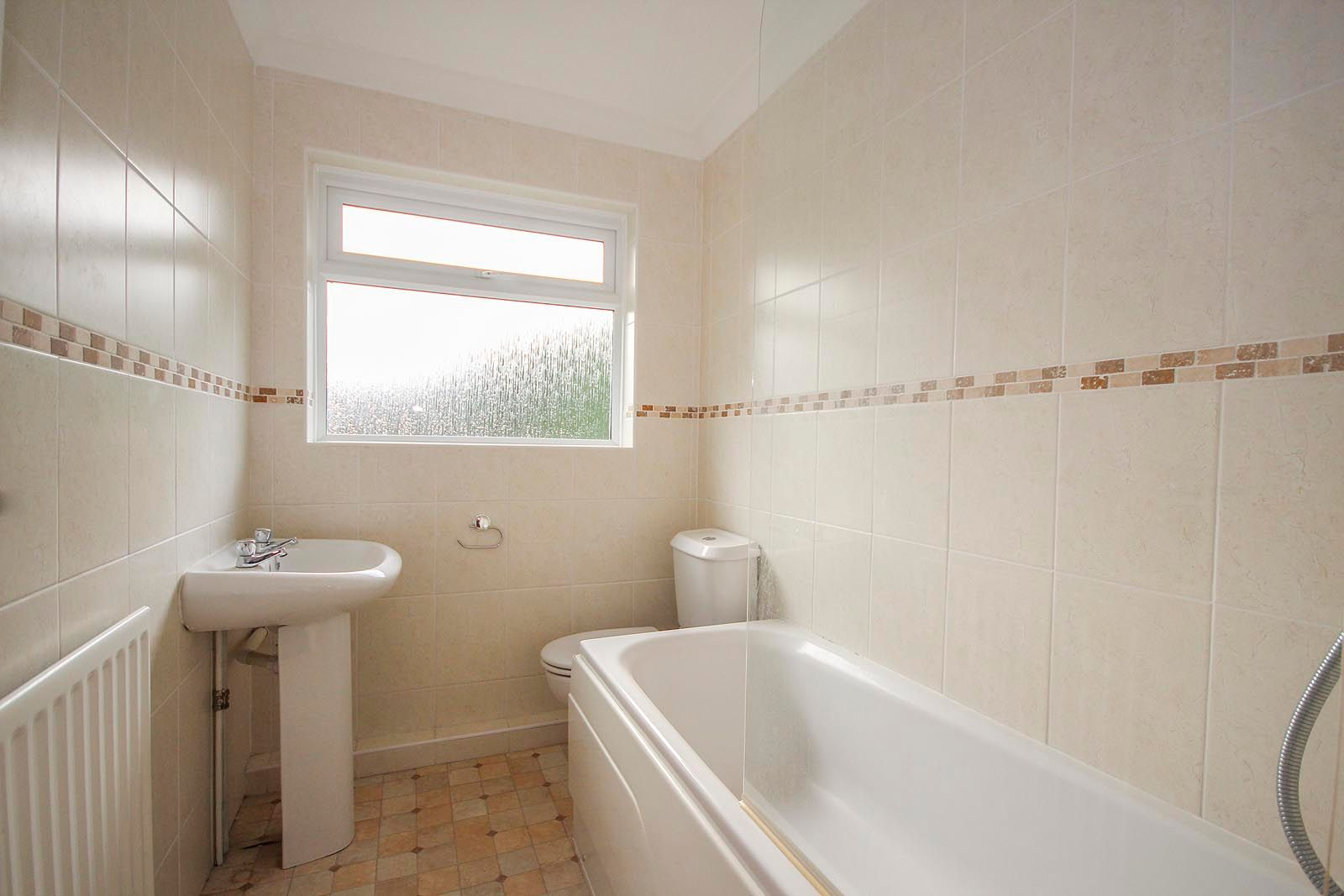 2 bed bungalow to rent in Vermont Drive 8
