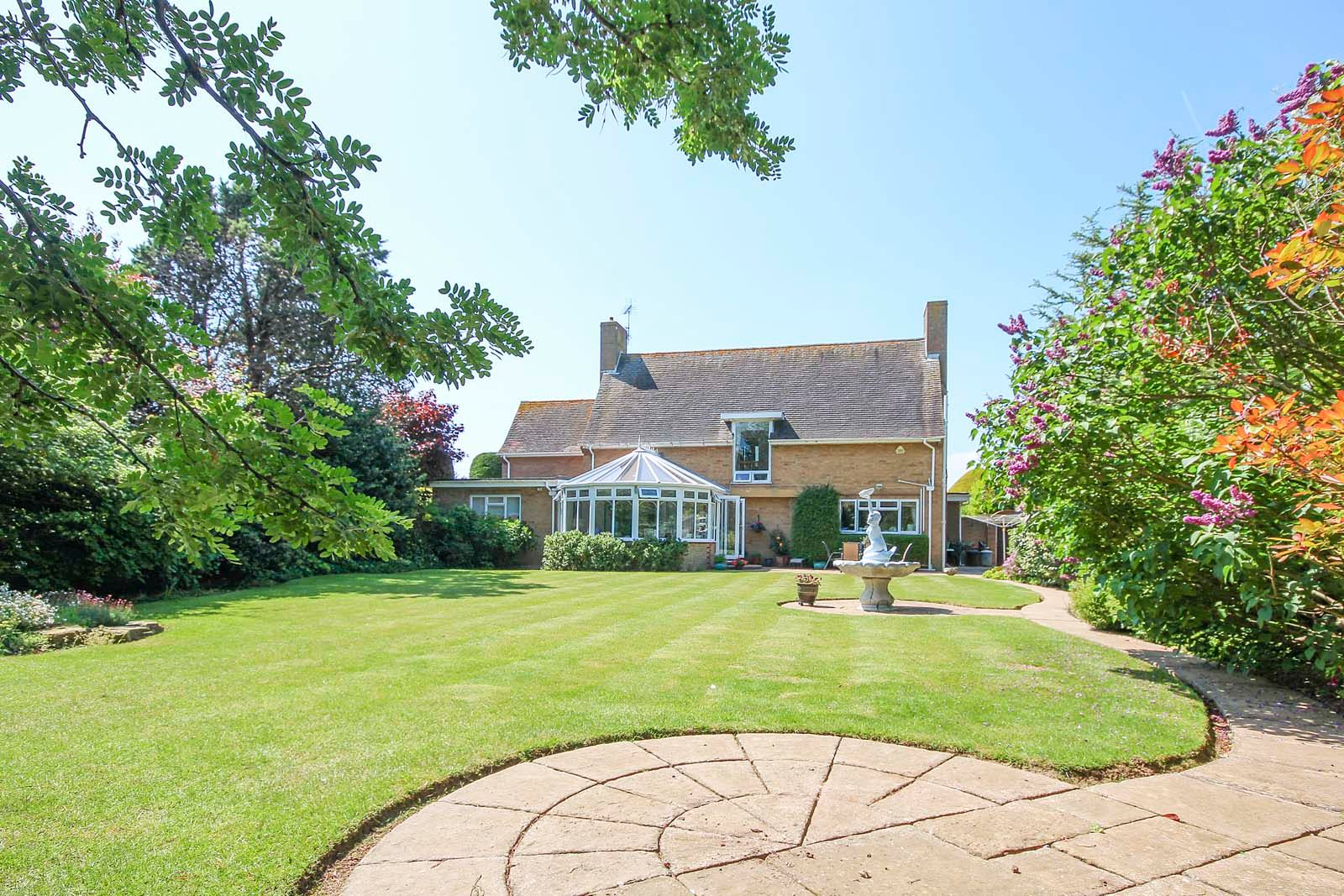 5 bed House for sale in The Willowhayne, East Preston - Rear garden (Property Image 1)