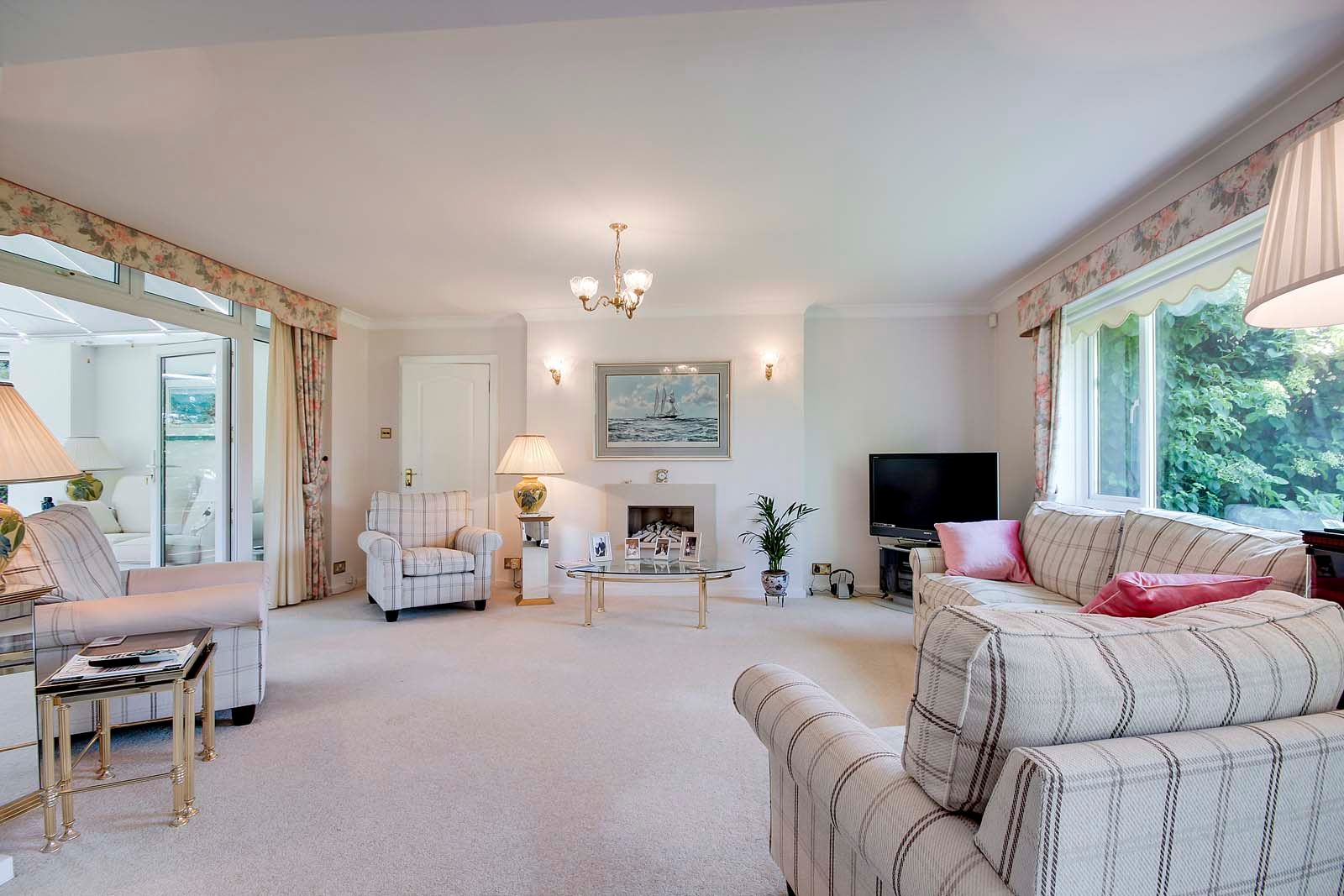 5 bed House for sale in The Willowhayne, East Preston - Sitting room (Property Image 15)