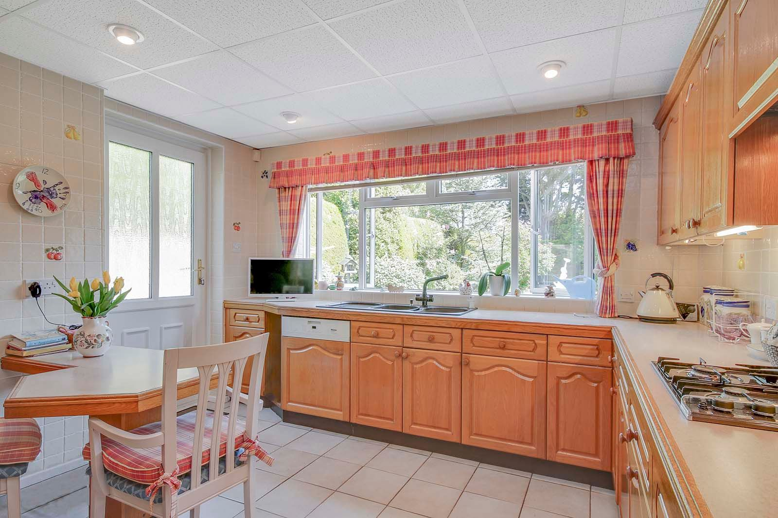 5 bed House for sale in The Willowhayne, East Preston - Kitchen (Property Image 4)