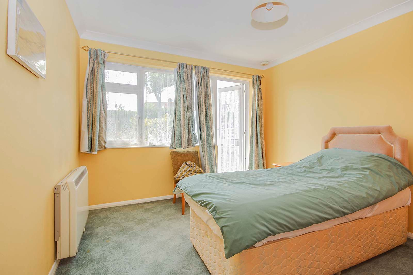 1 bed  for sale in Montpelier Road  - Property Image 4