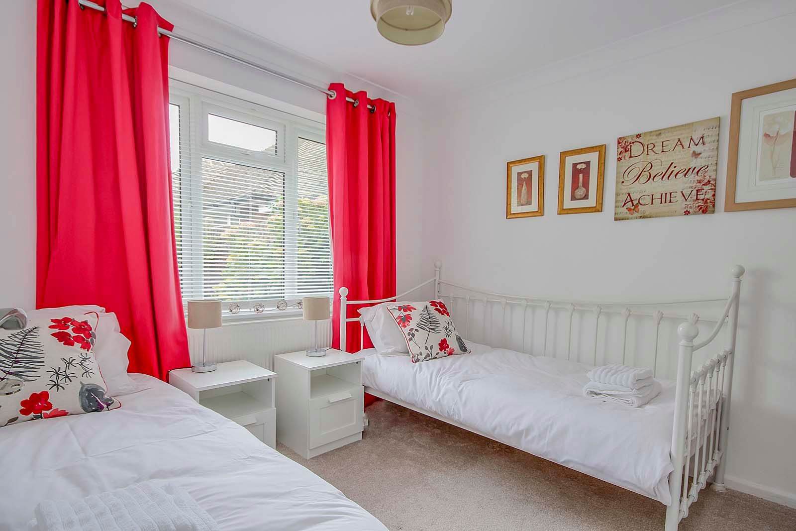 3 bed bungalow for sale in Vermont Drive  - Property Image 10