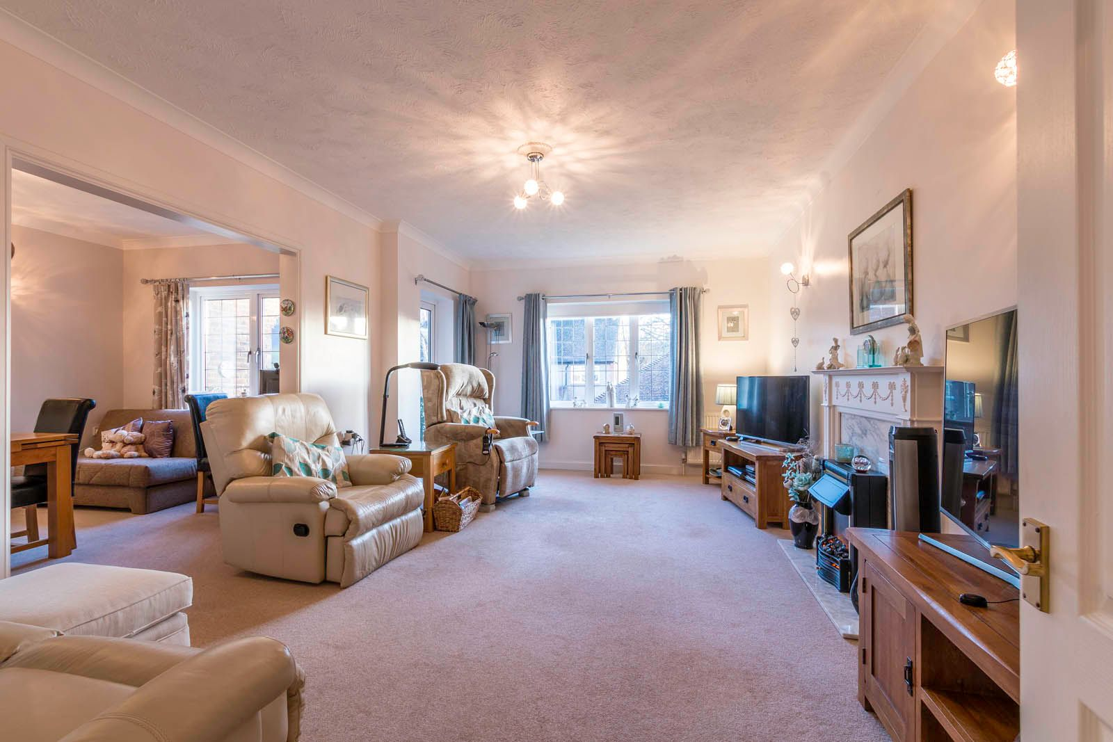 2 bed  for sale in Midholme  - Property Image 2