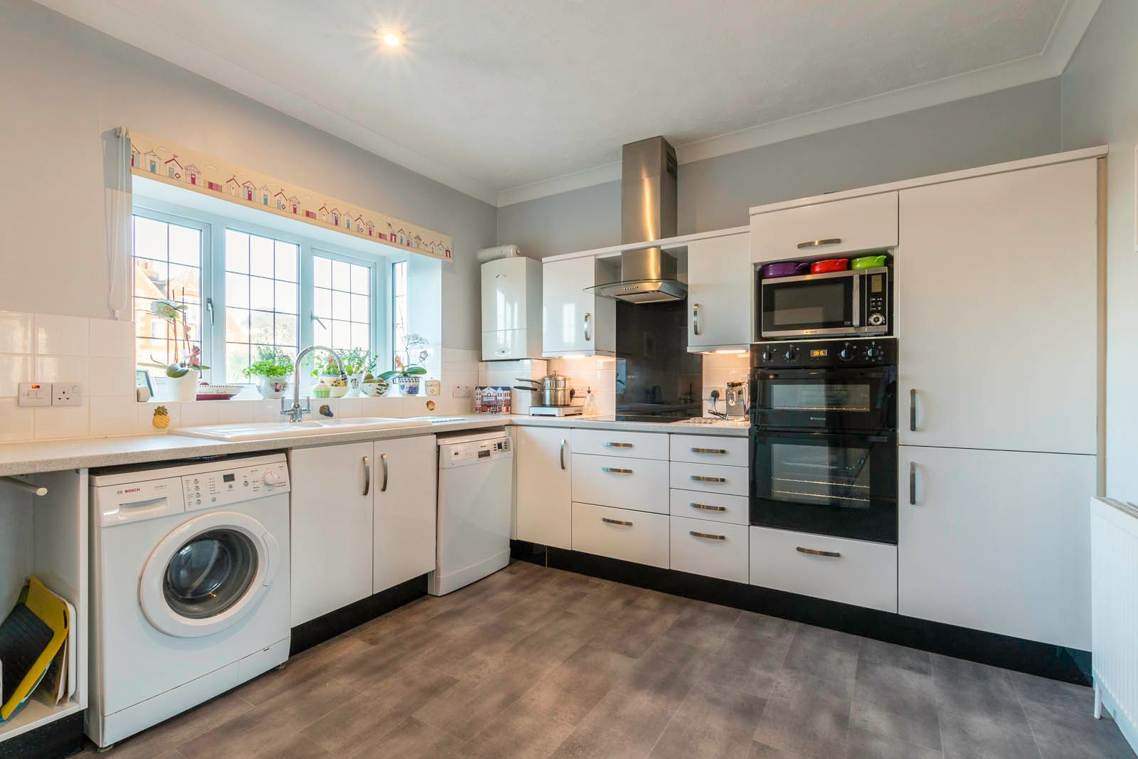 2 bed  for sale in Midholme 3