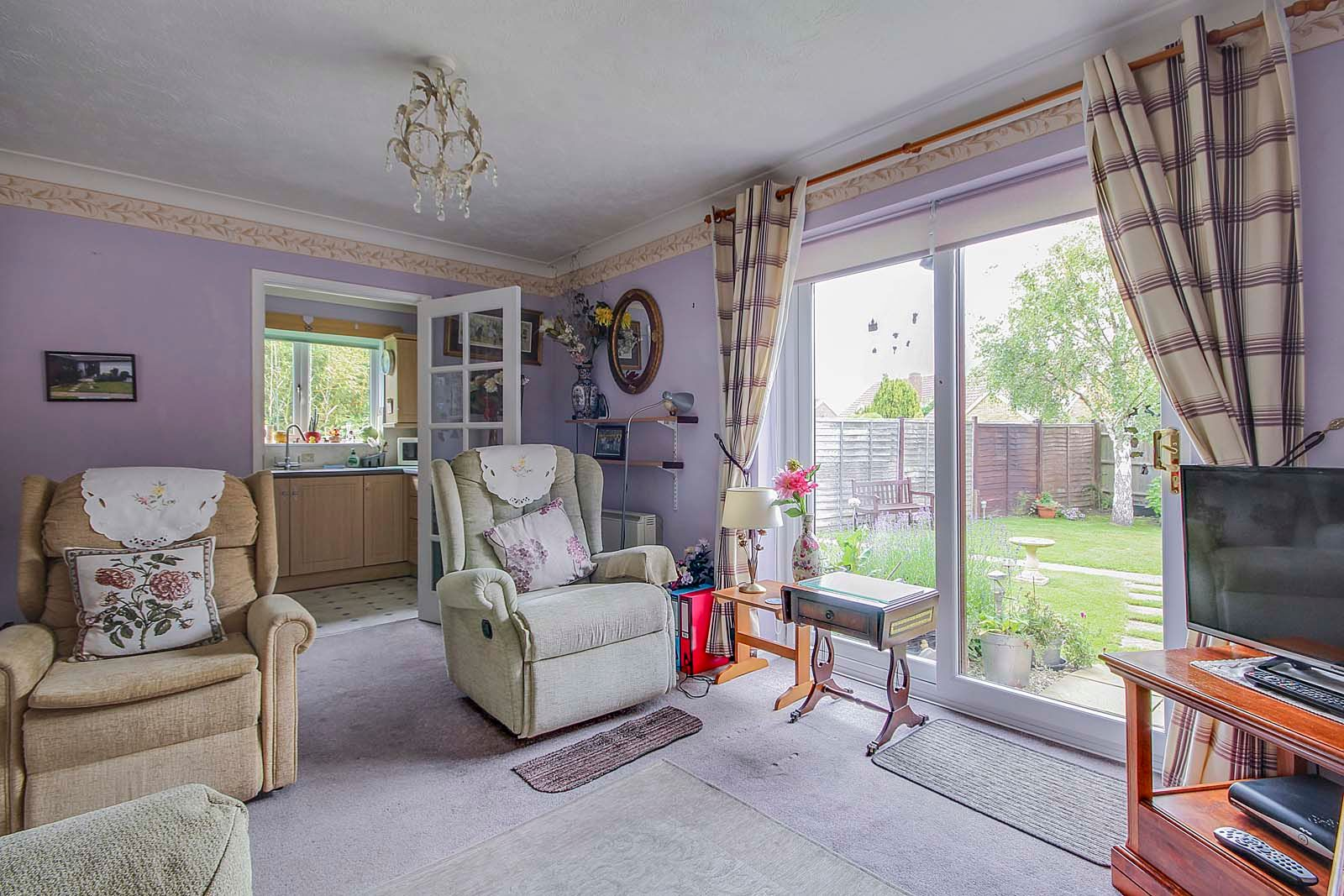 1 bed bungalow for sale in Sea Road  - Property Image 2