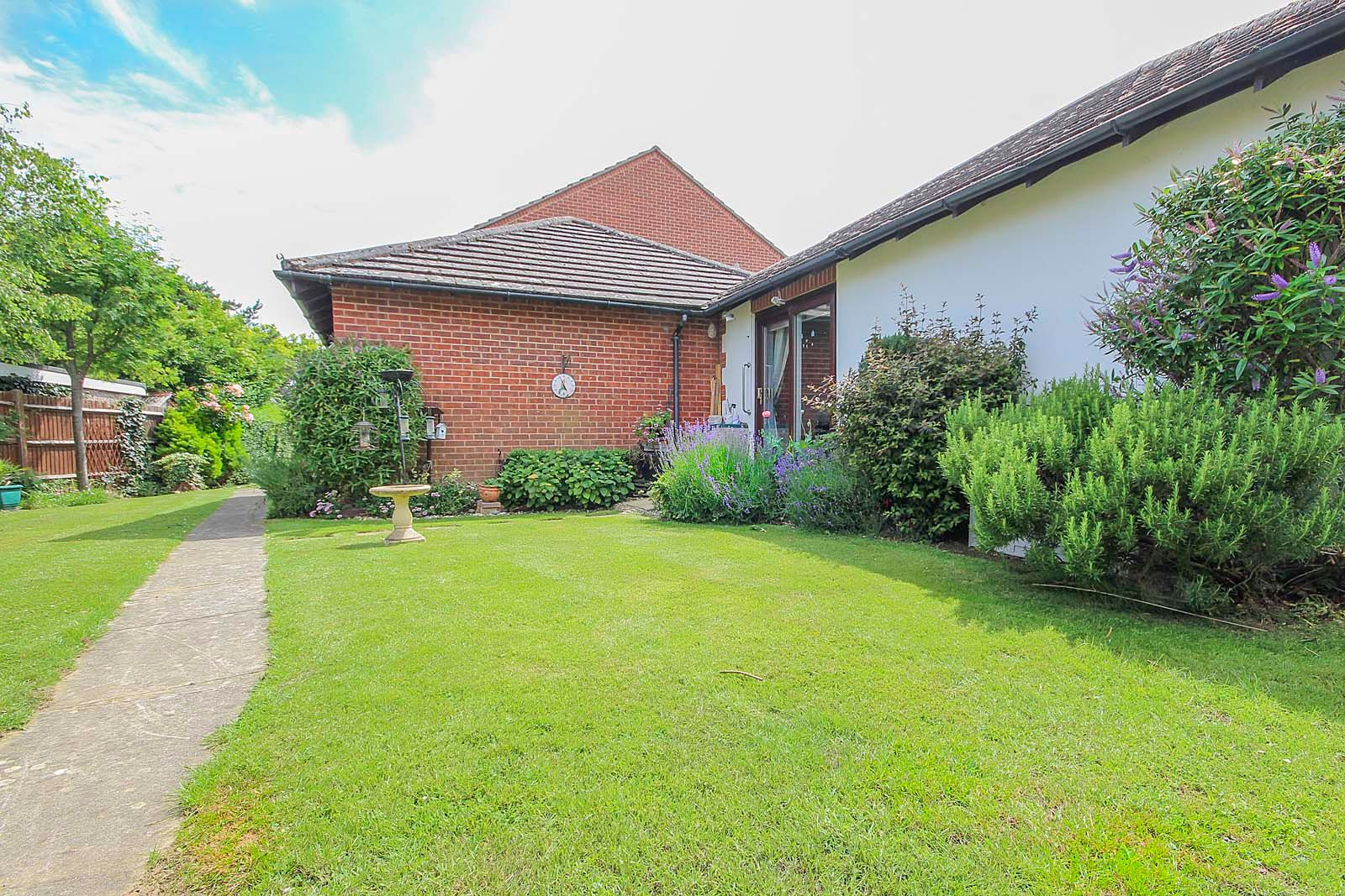 1 bed bungalow for sale in Sea Road 7