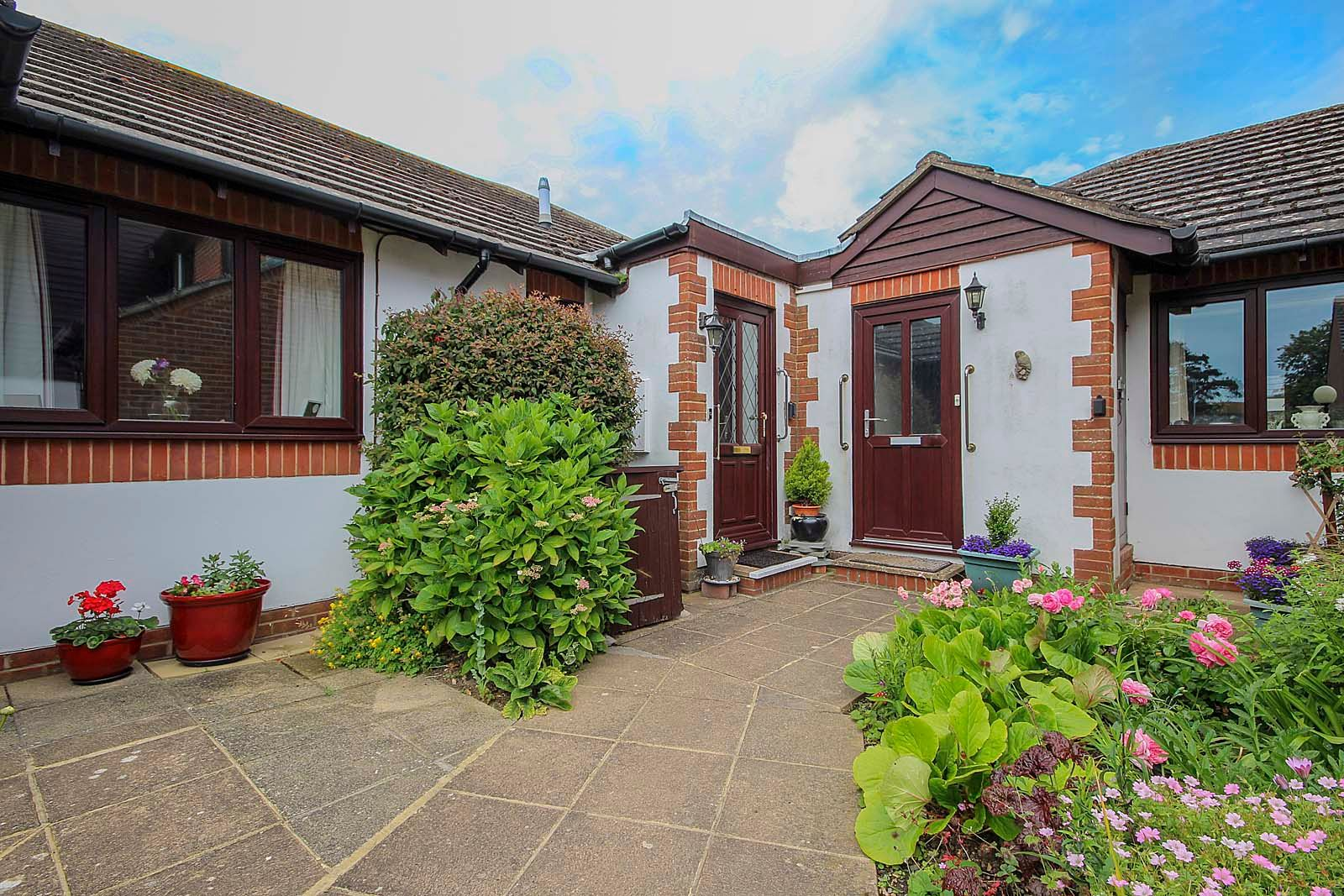 1 bed bungalow for sale in Sea Road 9