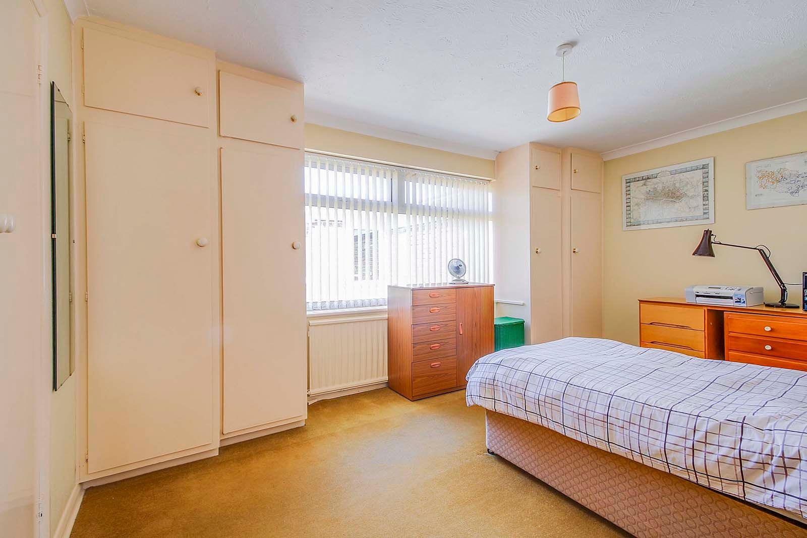 2 bed bungalow for sale in Bay Tree Garden  - Property Image 5