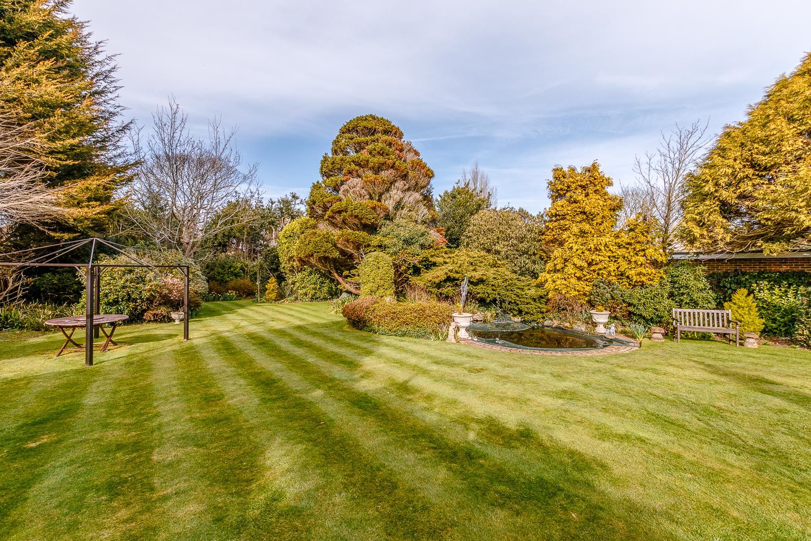 3 bed Bungalow for sale in East Preston - Beautiful rear garden (Property Image 1)