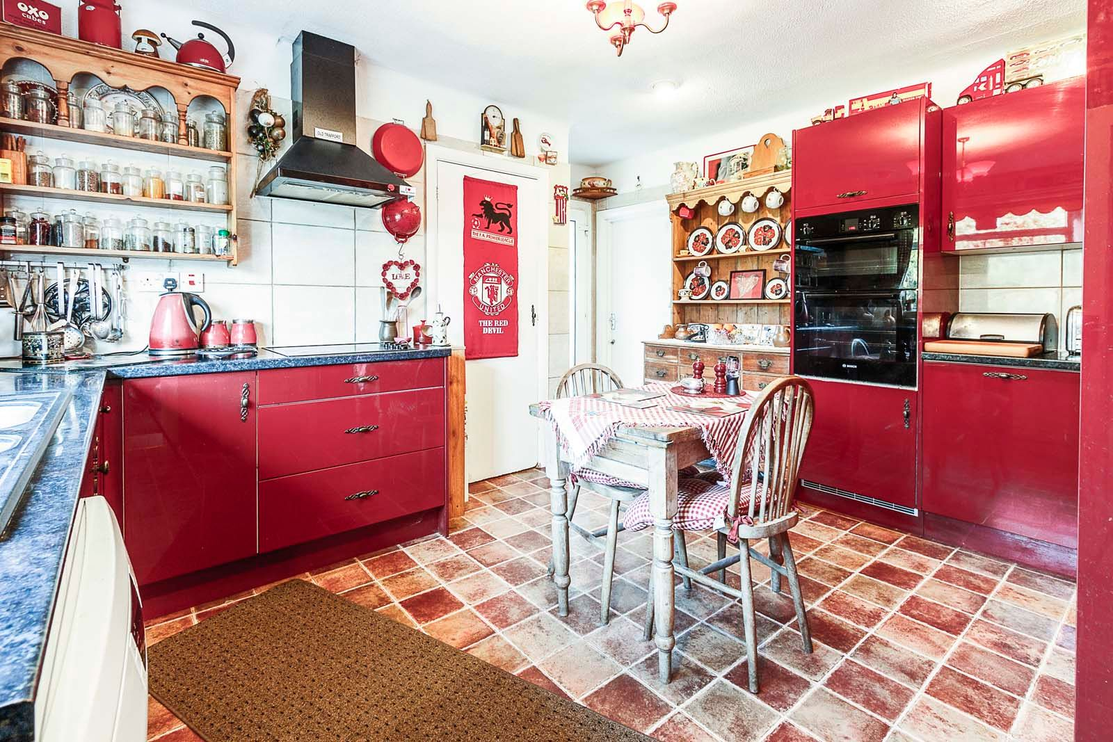 3 bed bungalow for sale in Michel Grove  - Property Image 11