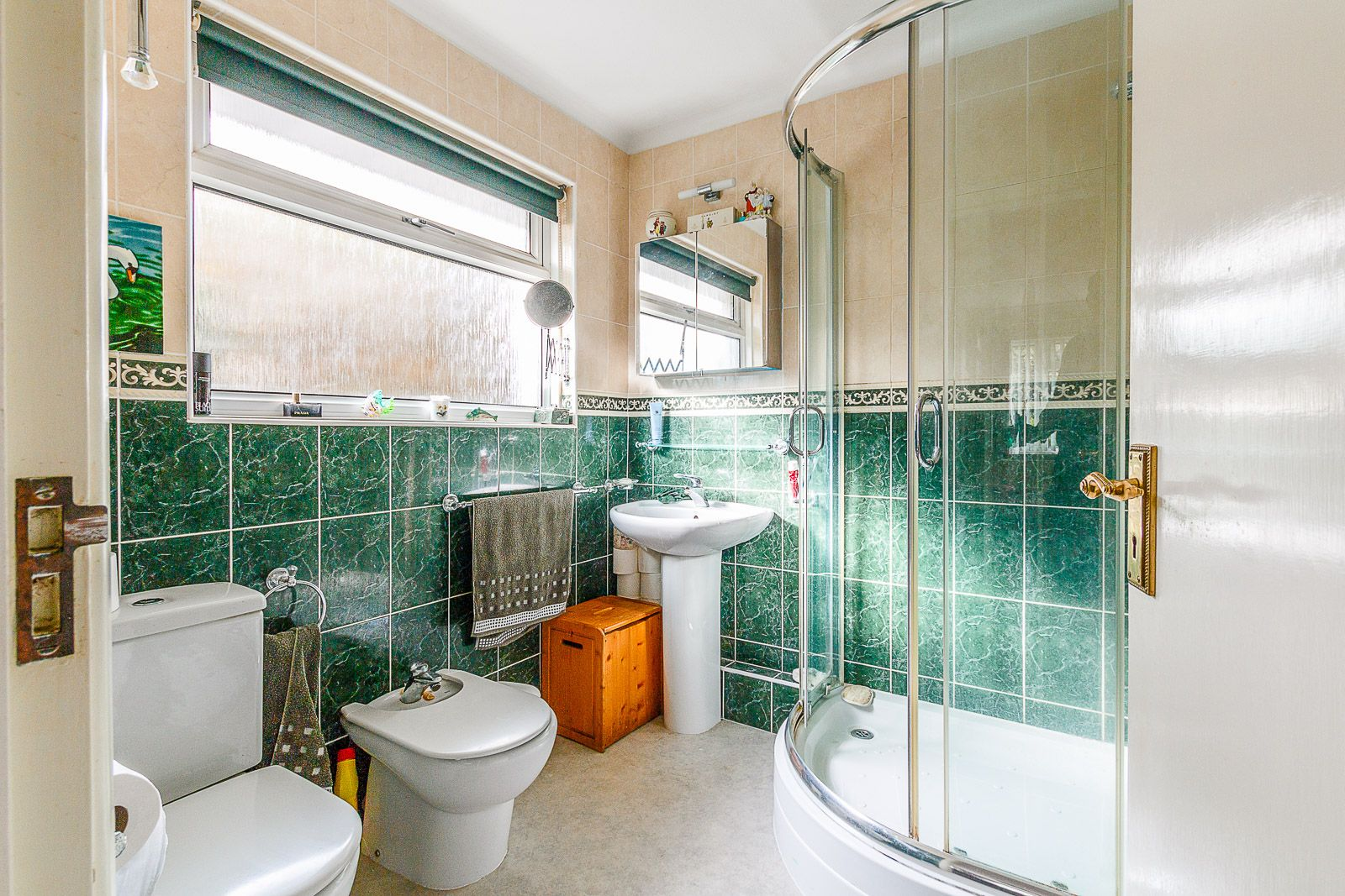 3 bed bungalow for sale in Michel Grove  - Property Image 6
