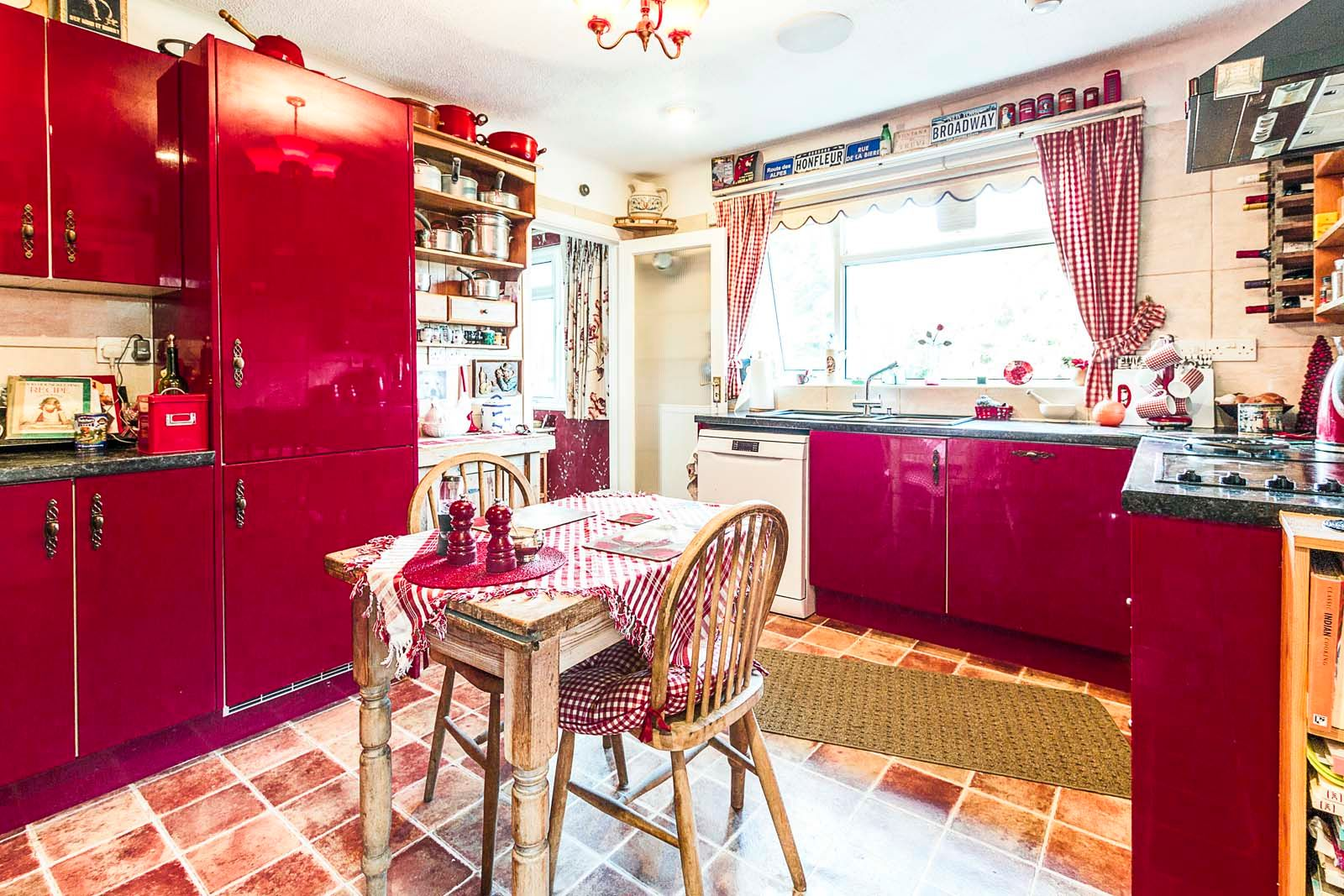3 bed bungalow for sale in Michel Grove  - Property Image 8