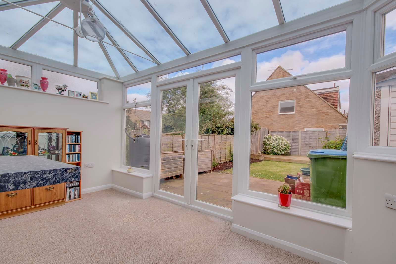 3 bed house for sale in Old Worthing Road  - Property Image 2