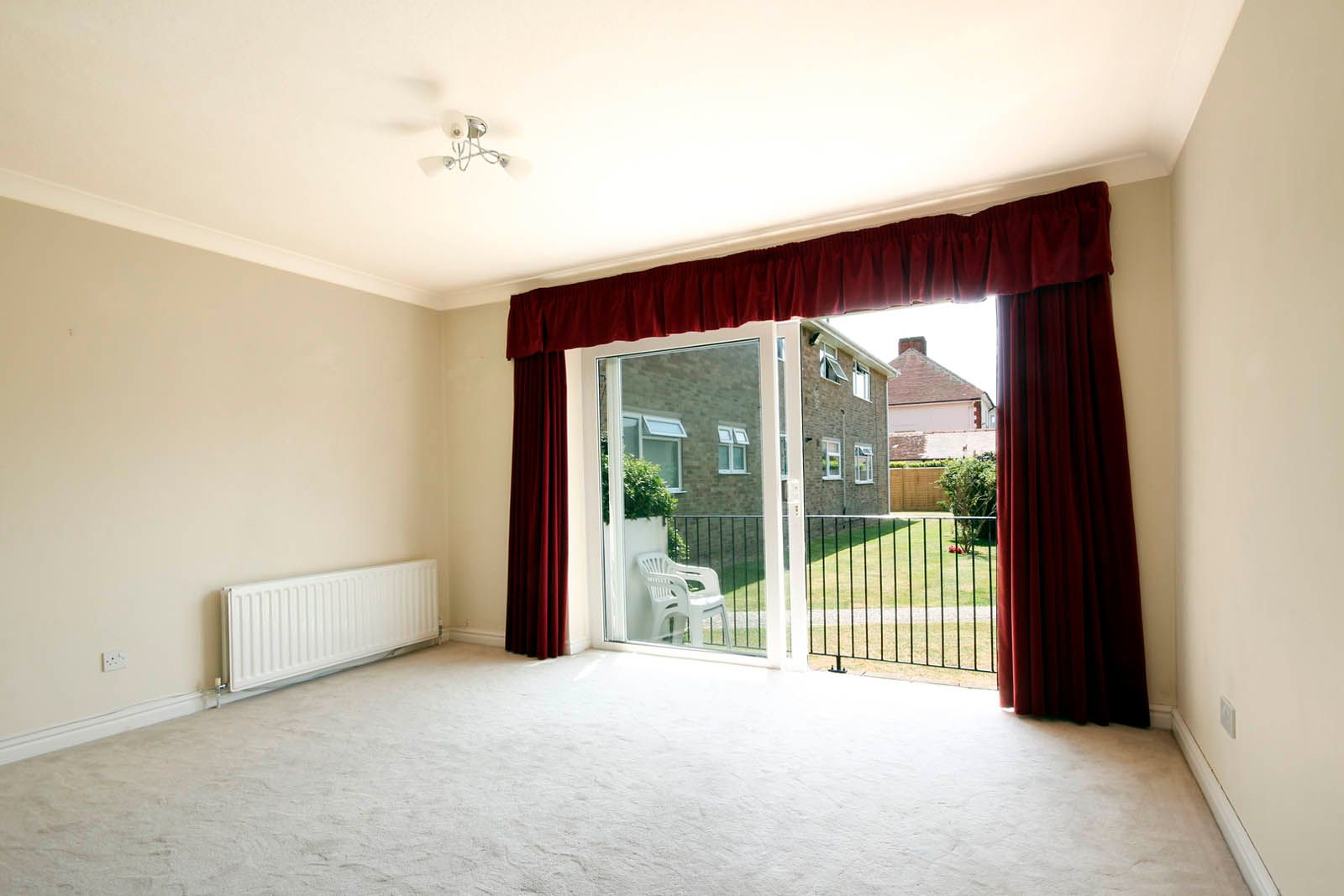 2 bed Apartment for sale in Rustington - Living Room (Property Image 3)