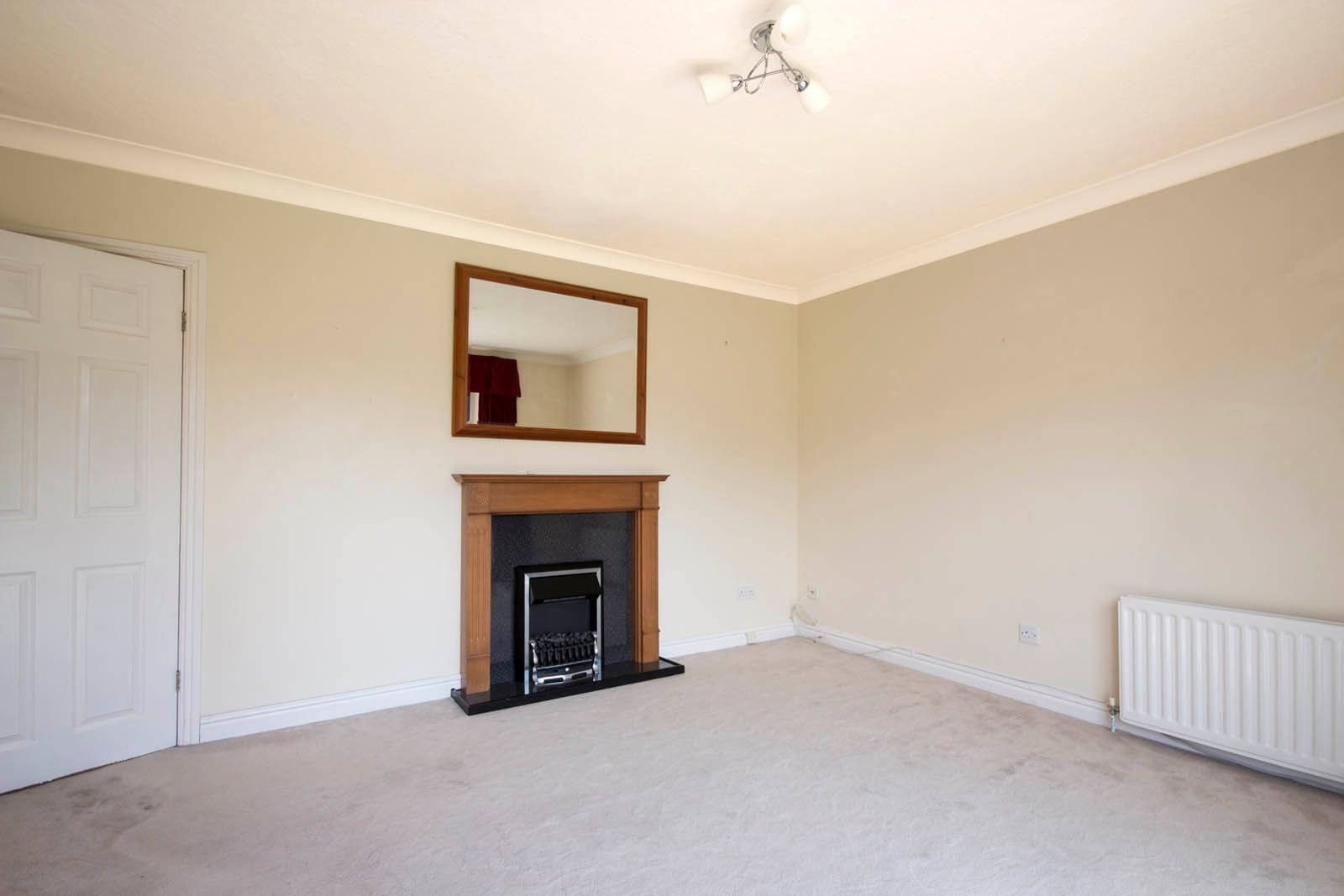2 bed Apartment for sale in Rustington - Living Room (Property Image 4)