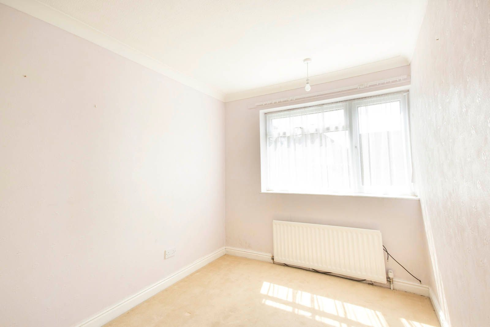 2 bed Apartment for sale in Rustington - Bedroom (Property Image 5)