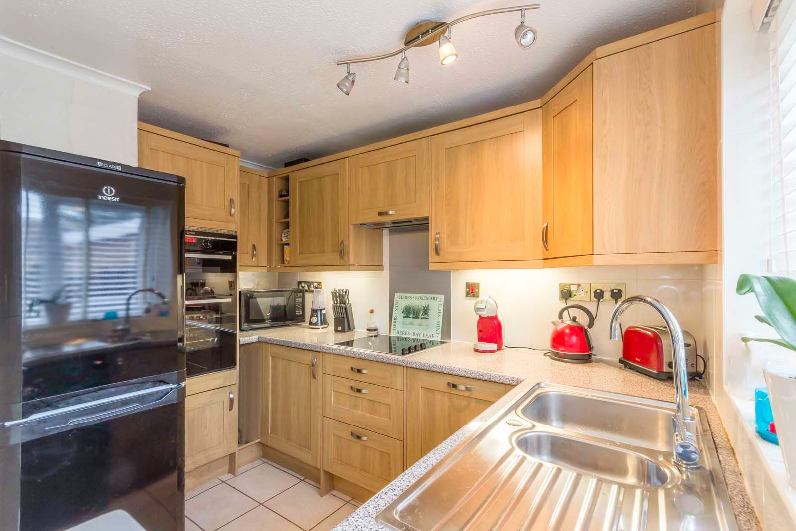 3 bed House for sale in East Preston - Kitchen (Property Image 3)