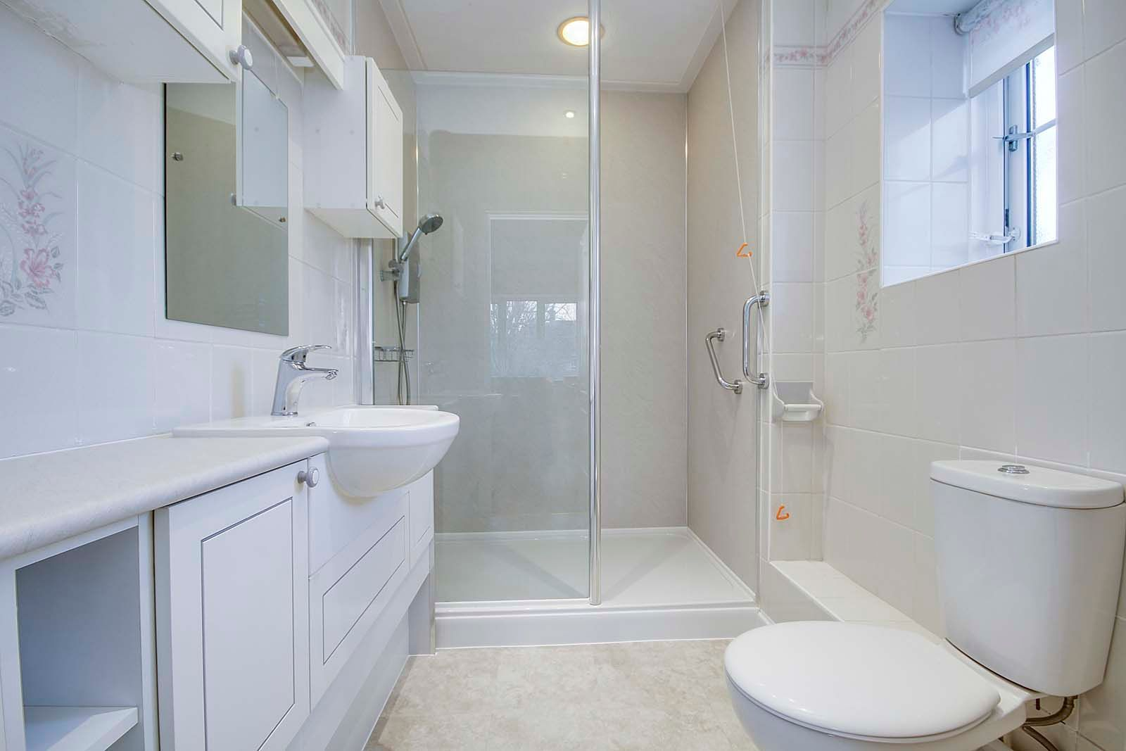 2 bed Apartment for sale in East Preston - En suite shower room (Property Image 4)