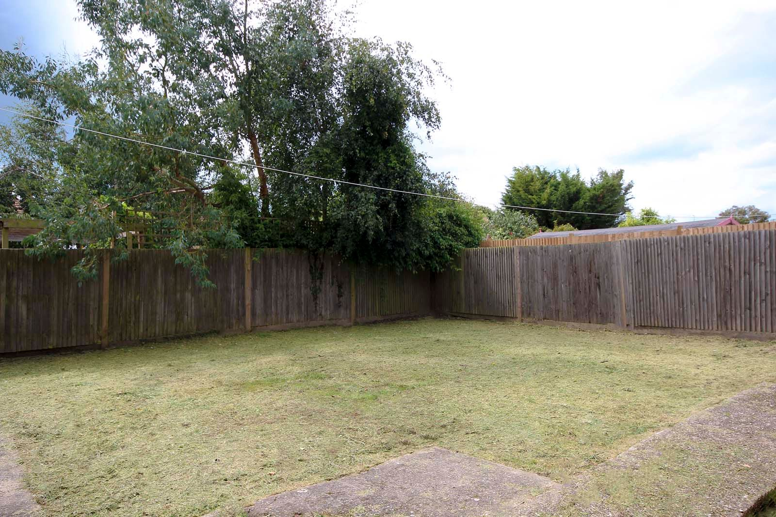 2 bed Apartment to rent in East Preston - Rear garden (Property Image 1)