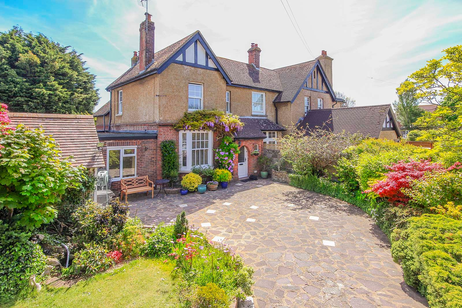 4 bed house for sale in North Lane - Property Image 1
