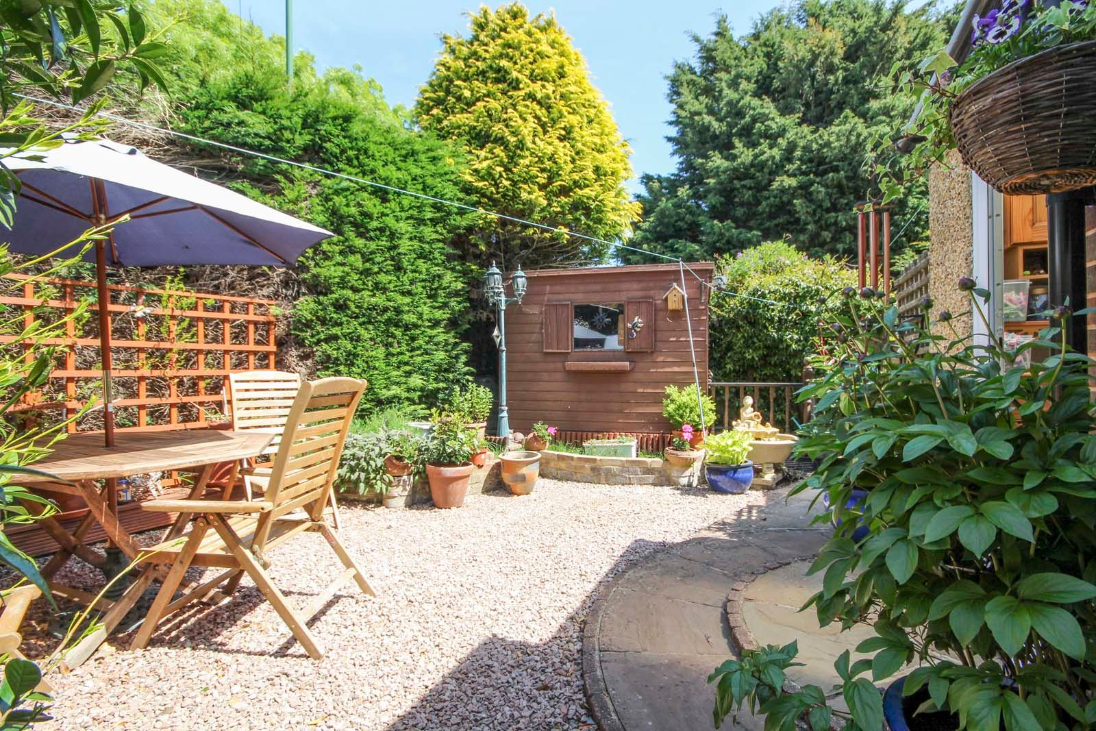 4 bed house for sale in North Lane 2