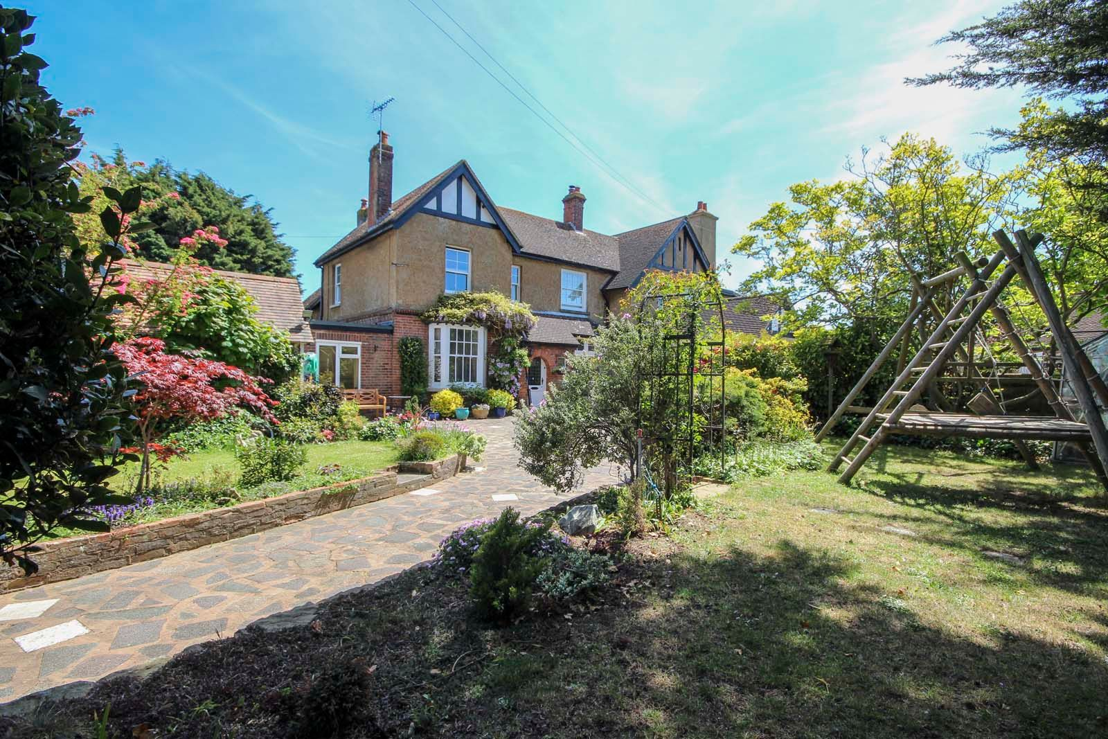4 bed house for sale in North Lane 12