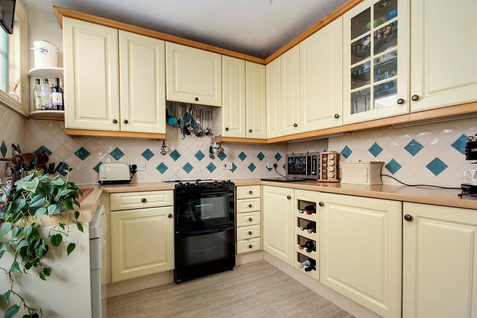 4 bed house for sale in North Lane 4
