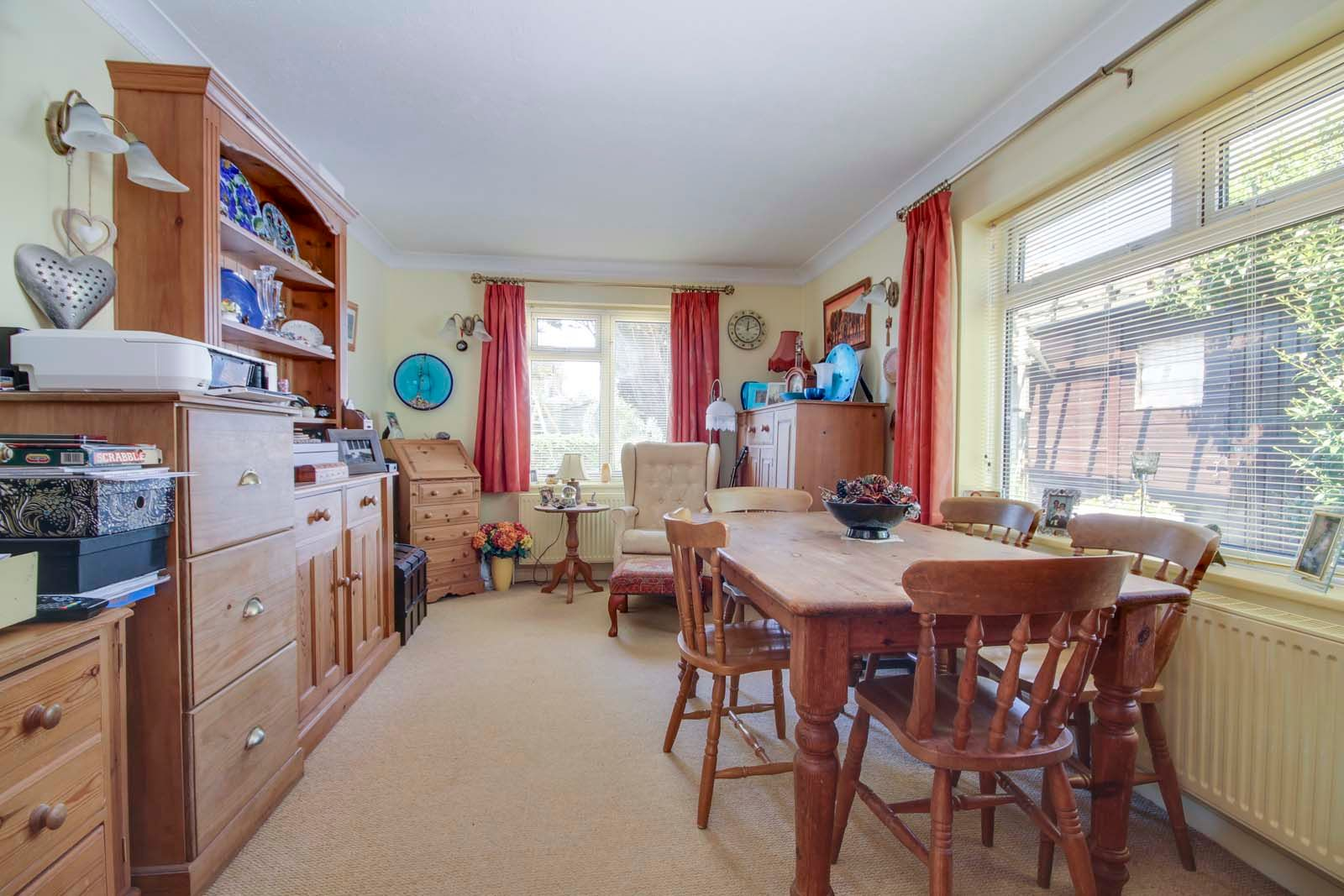4 bed house for sale in North Lane 6