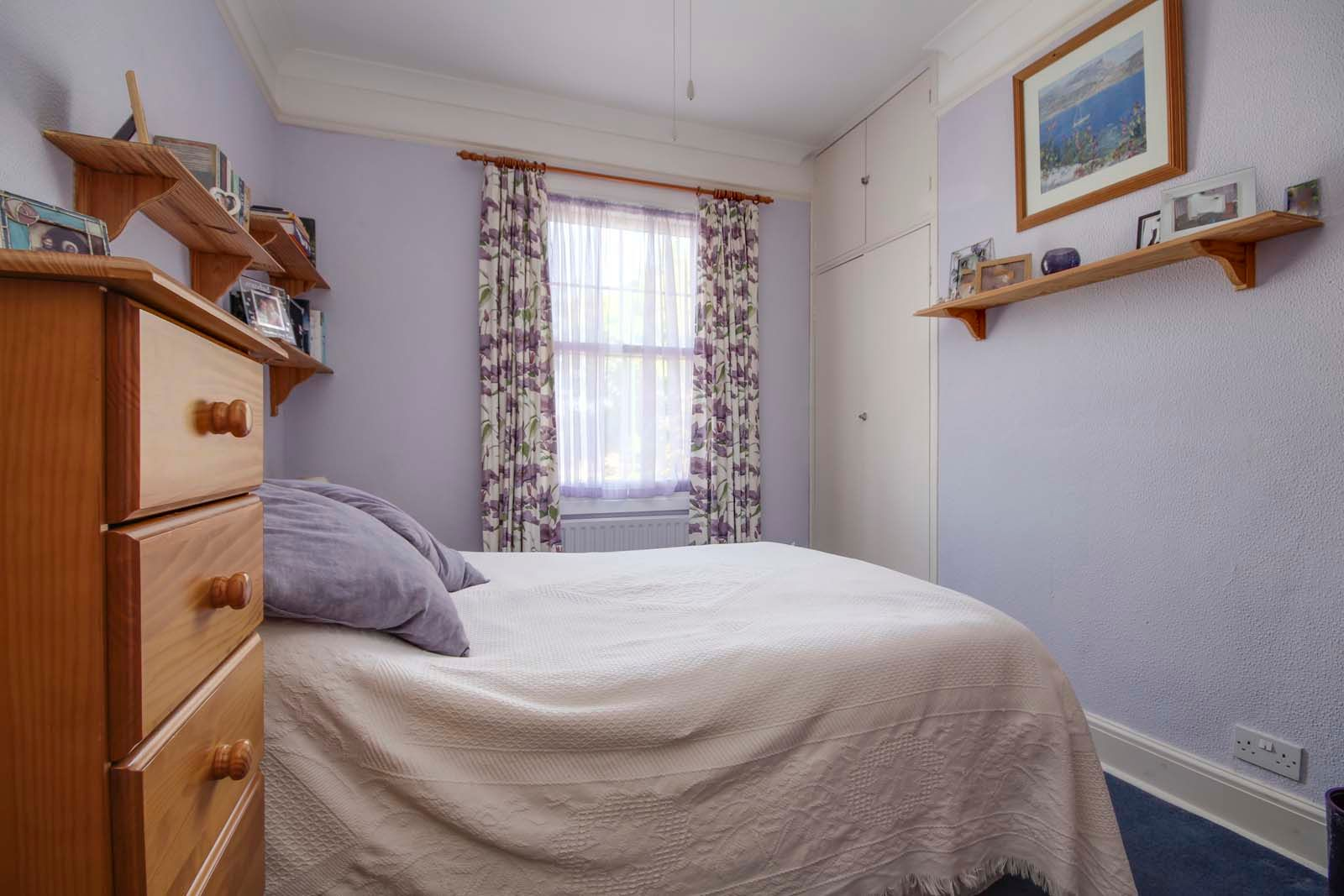4 bed house for sale in North Lane 10