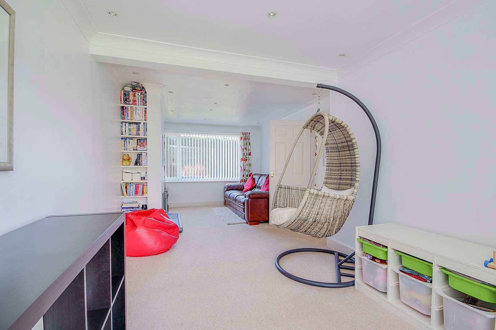 3 bed house for sale in Old Worthing Road 8
