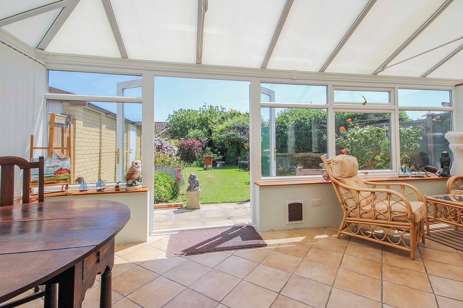 2 bed bungalow for sale in Hazelmead Drive 2