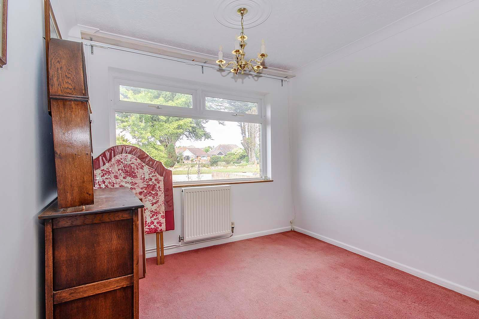 2 bed bungalow for sale in Hazelmead Drive 11