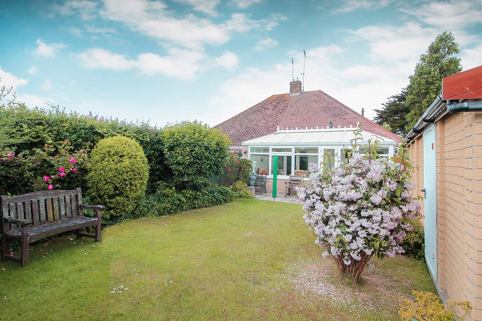 2 bed bungalow for sale in Hazelmead Drive  - Property Image 14