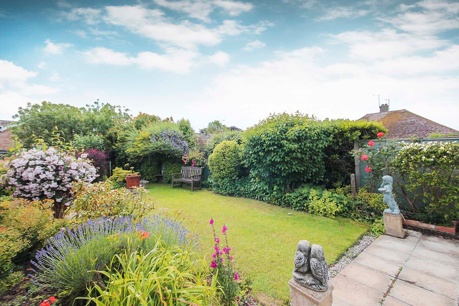 2 bed bungalow for sale in Hazelmead Drive  - Property Image 3