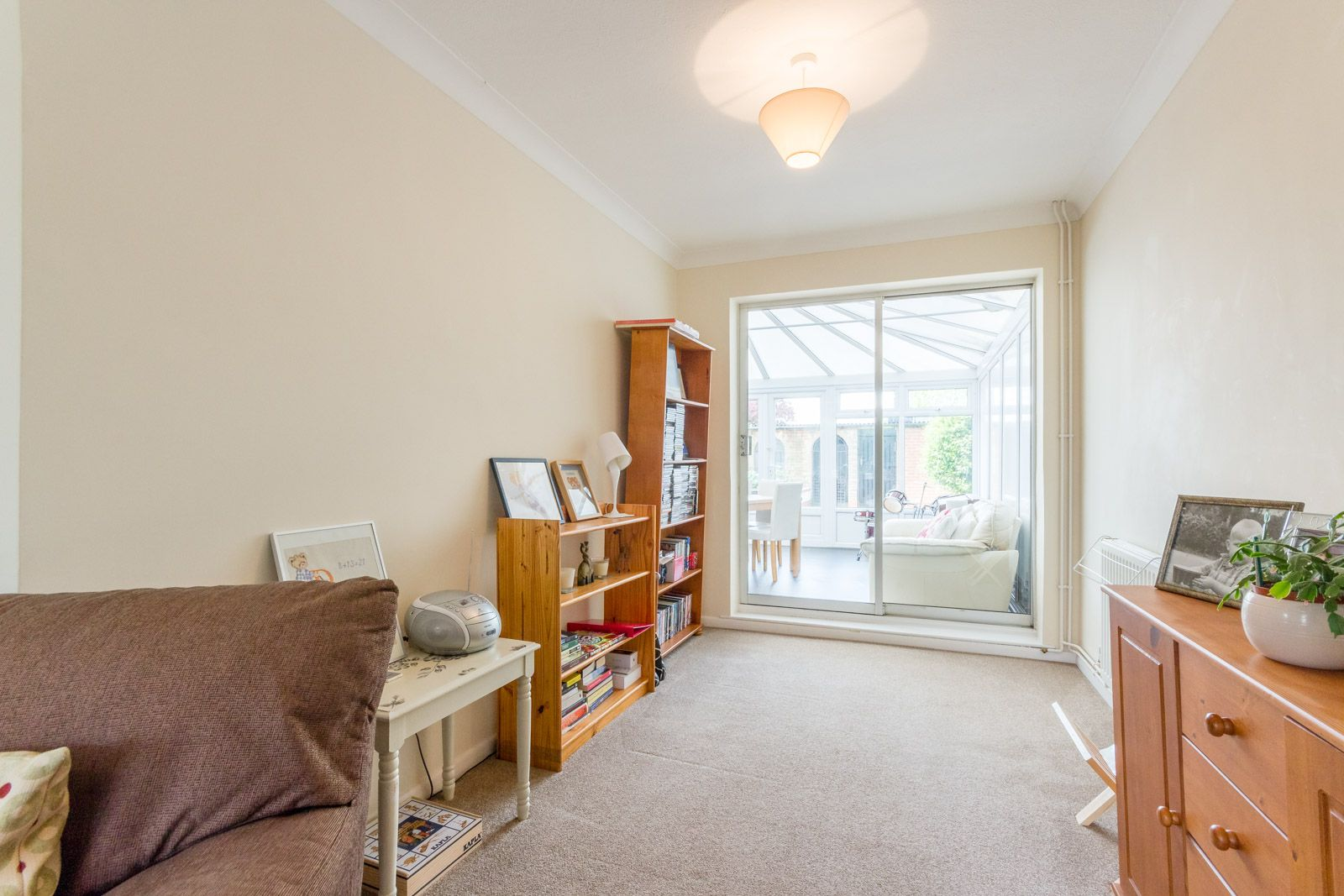 3 bed house to rent in Downs Way 3
