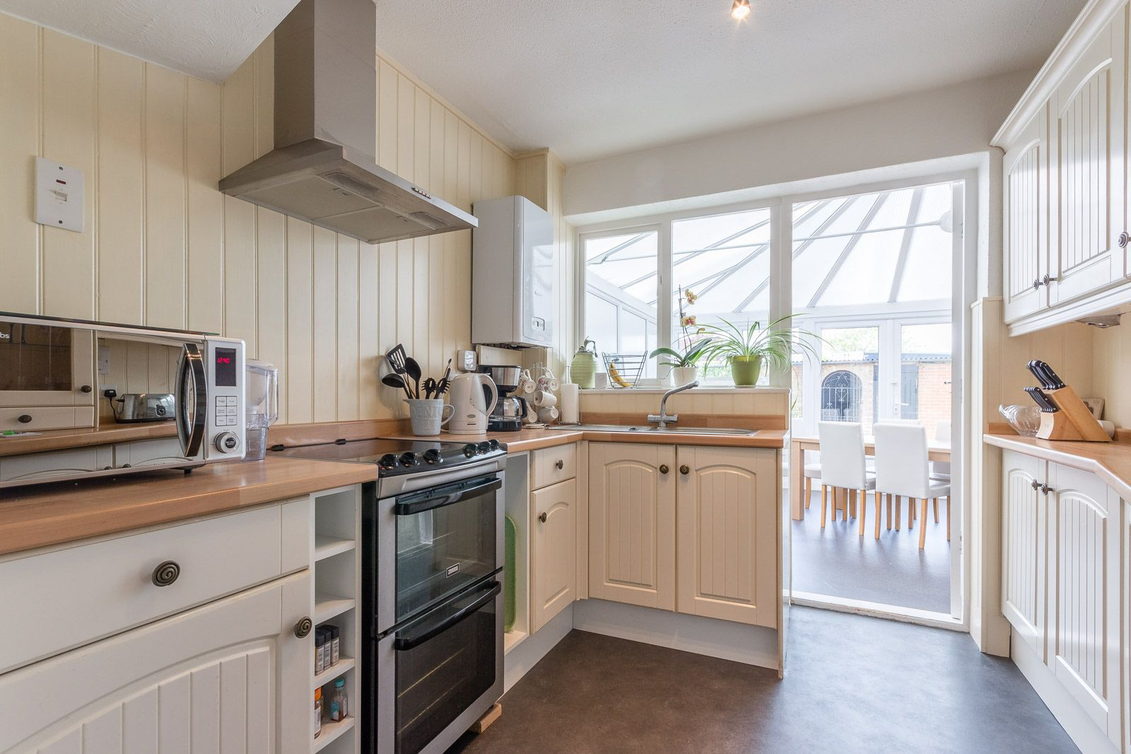 3 bed house to rent in Downs Way  - Property Image 4