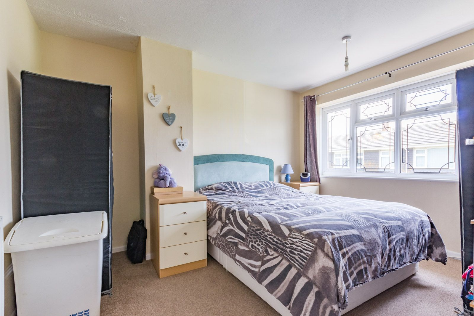 3 bed house to rent in Downs Way 6