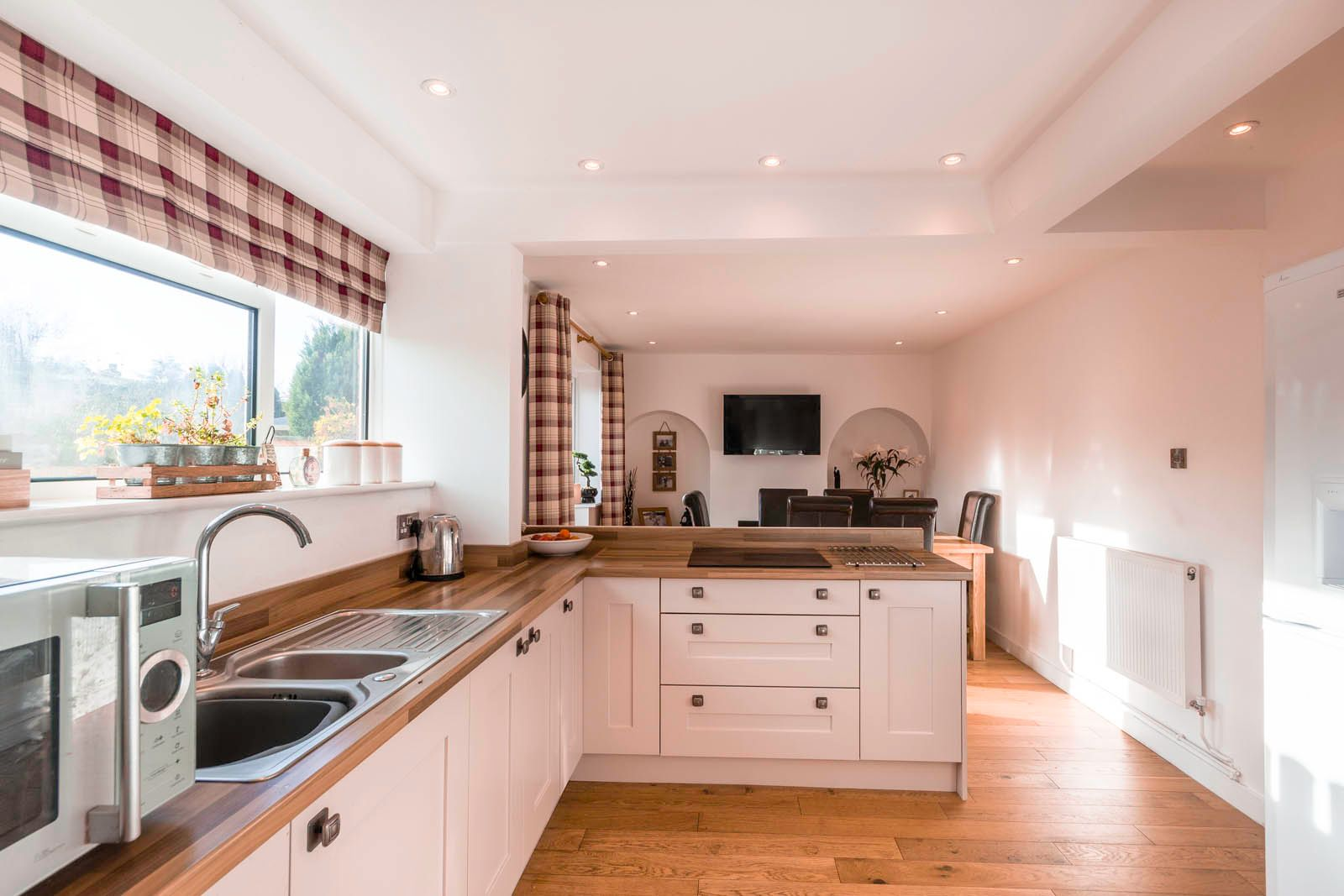 3 bed house for sale in Roundstone Crescent 4