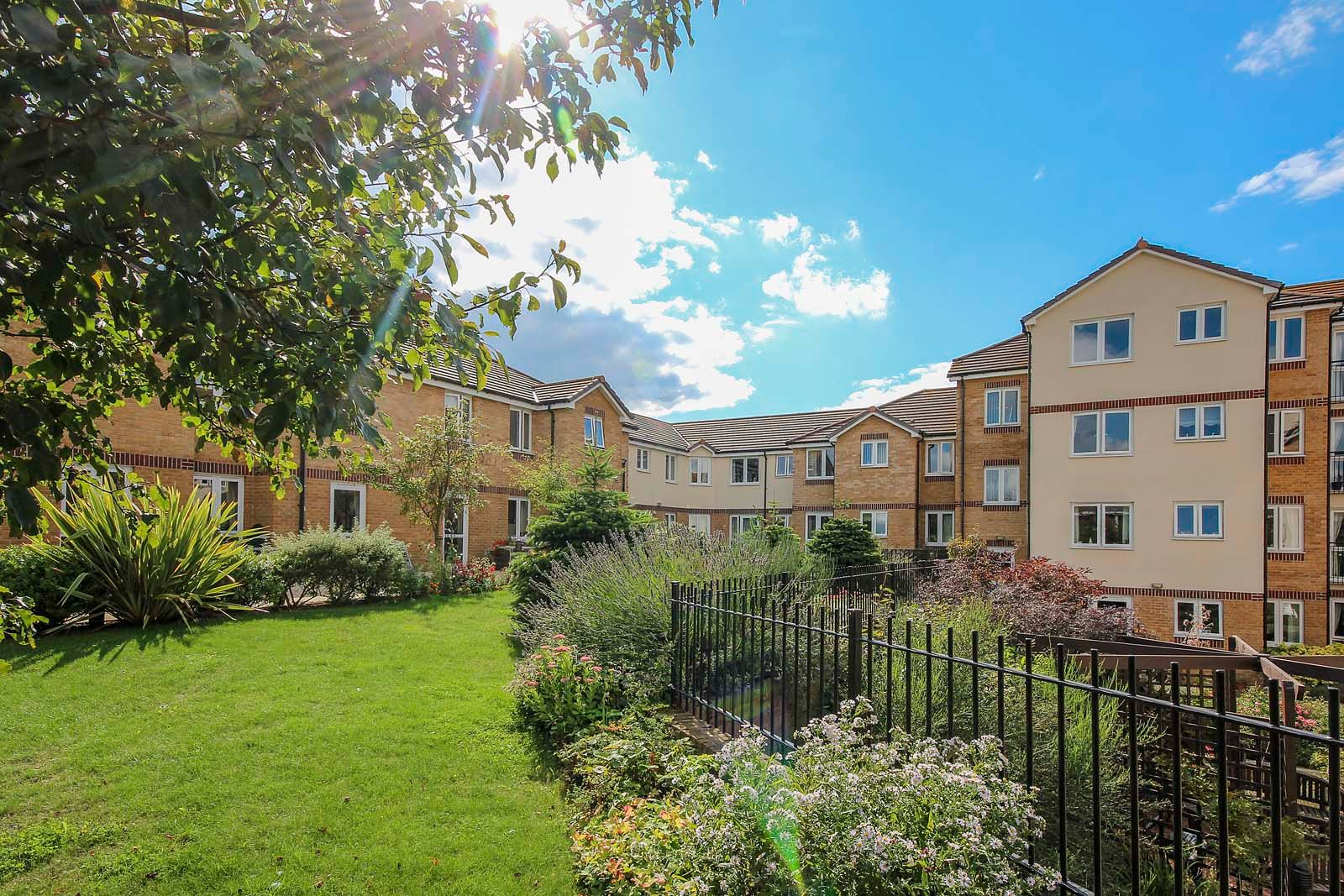 2 bed for sale in East Preston - Communal gardens (Property Image 2)
