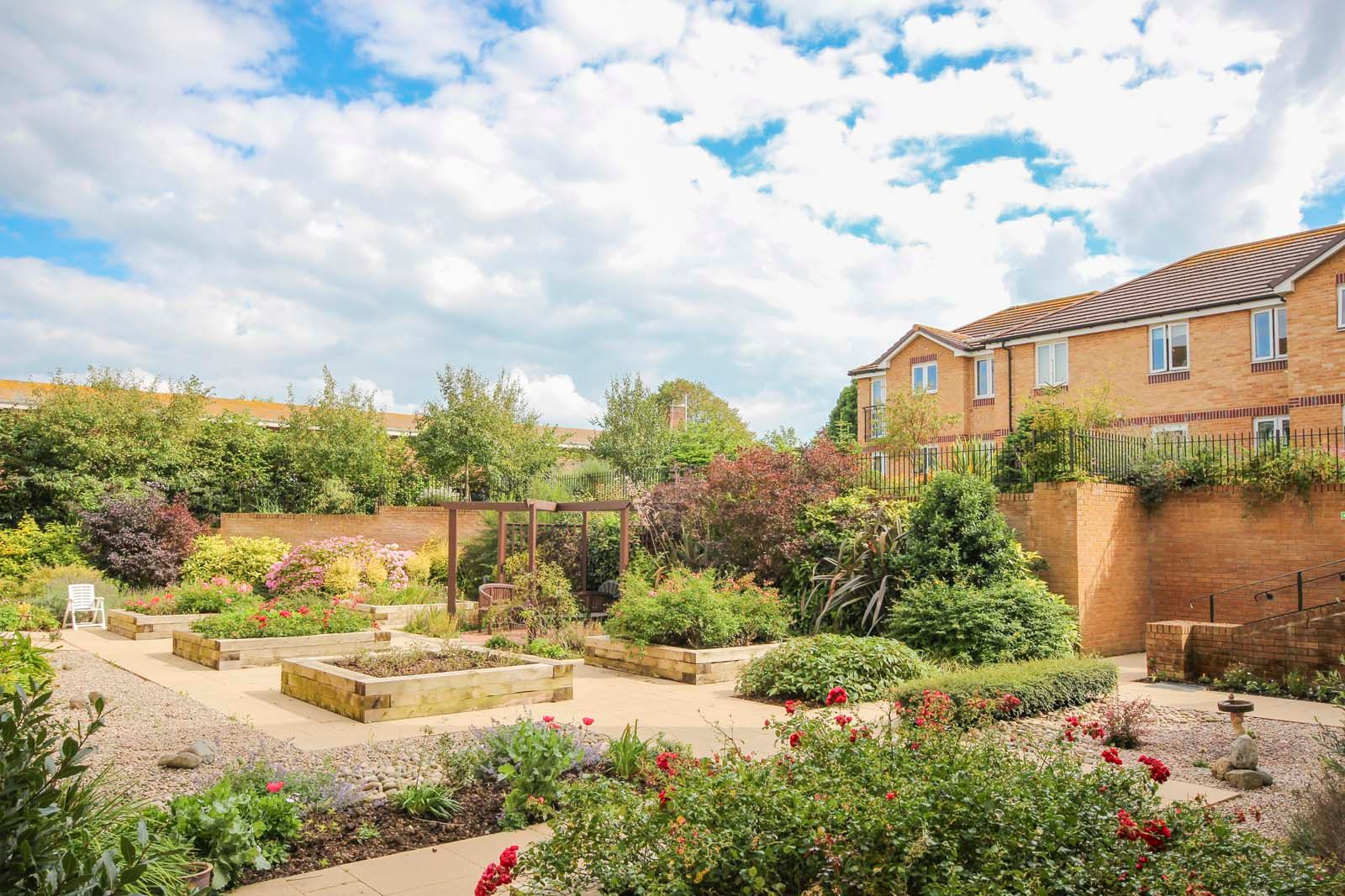 2 bed for sale in East Preston - Communal gardens (Property Image 5)
